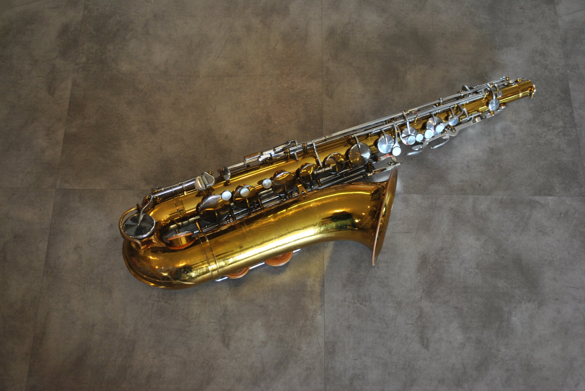 King Cleveland 615 Tenor Saxophone - FOR PARTS OR REPAIR