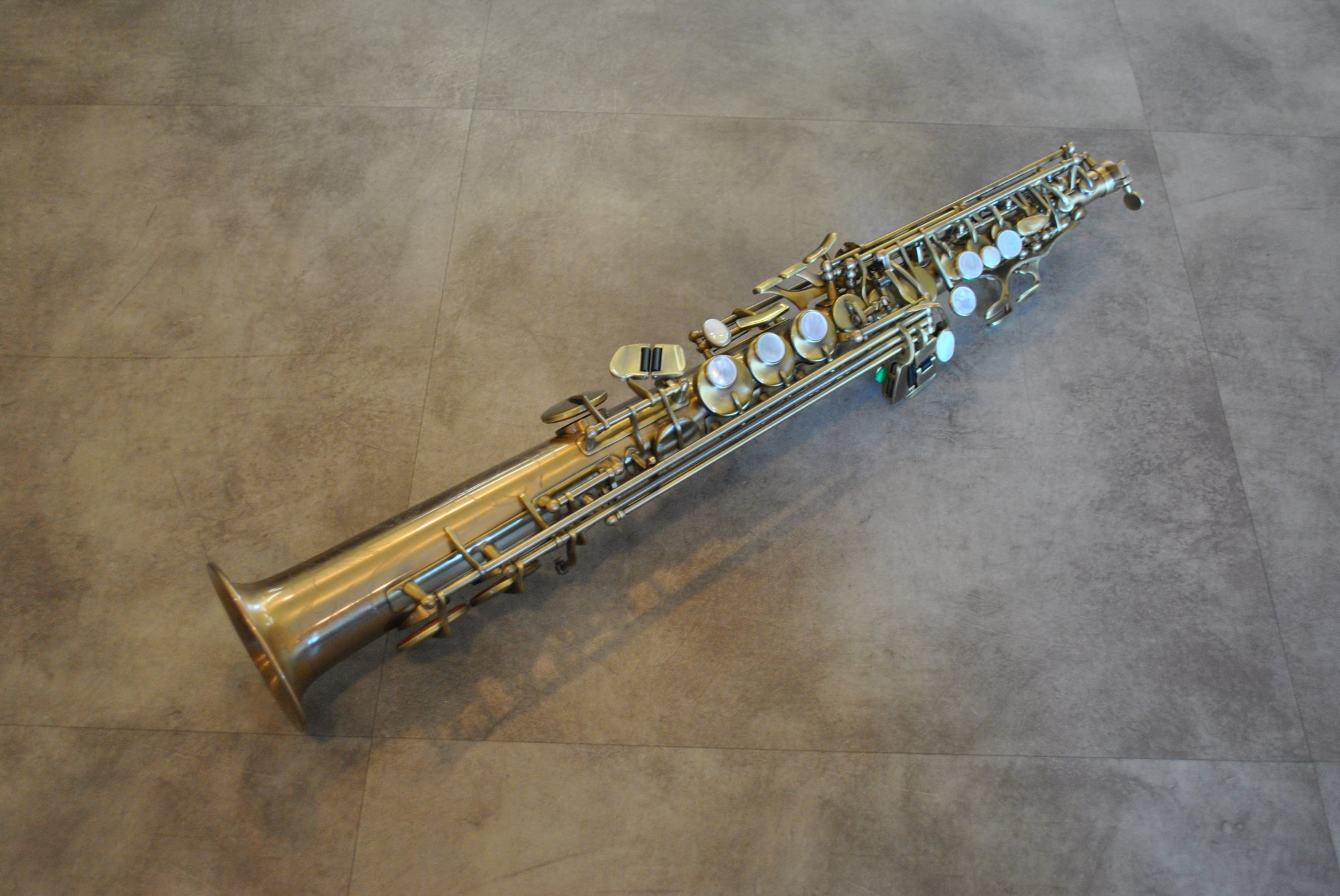 Chateau CSS-80AN Soprano Sax Professional Antique Lacquer - NEW
