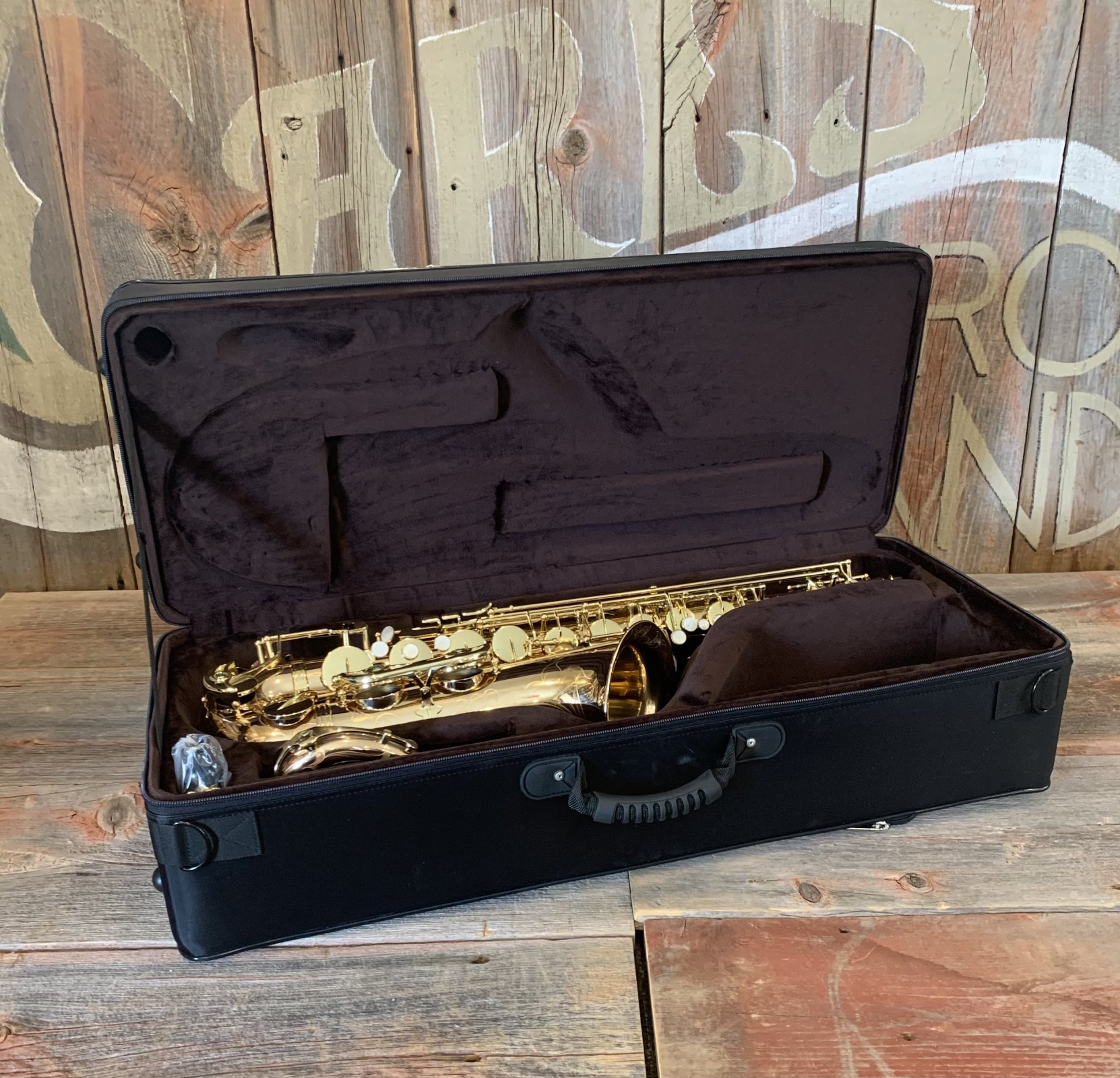 Chateau CTS-80GL Tenor Saxophone Professional Gold Lacquer - DEMO
