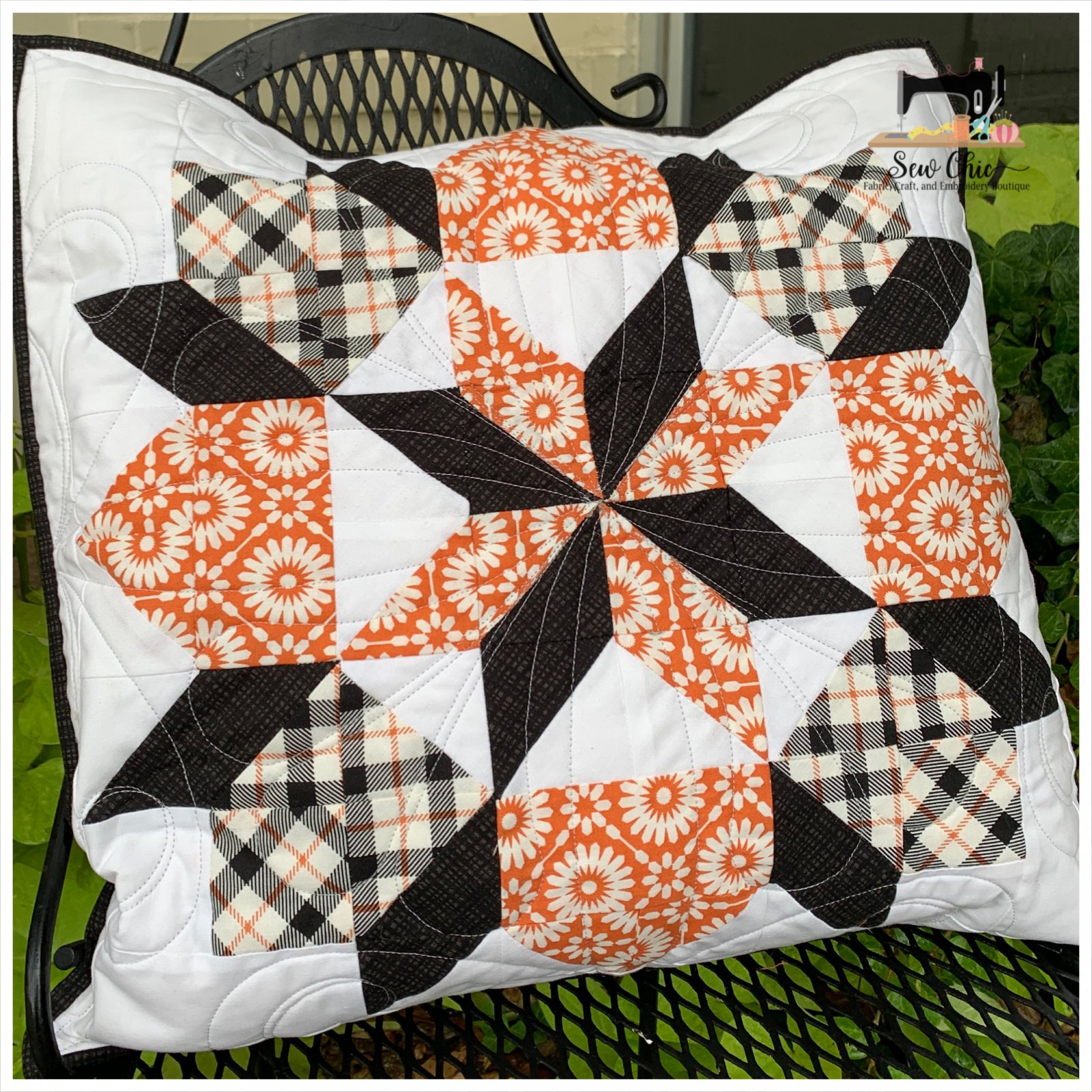 Dutch Rose Halloween Pillow Kit