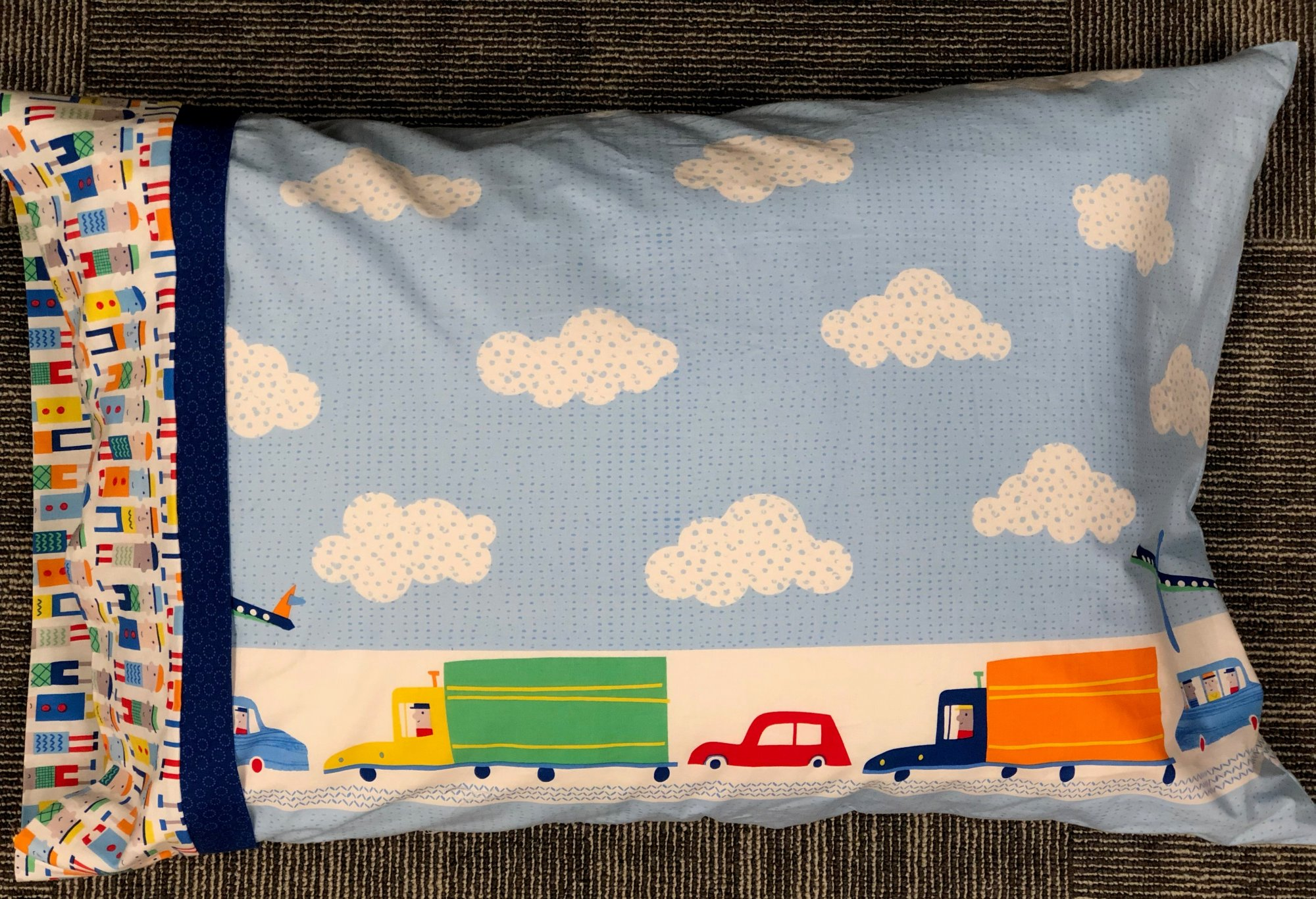 Endless Road Border Pillowcase Kit