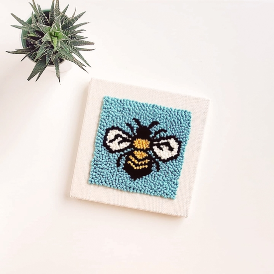 Punch Box - Bee 10x10
