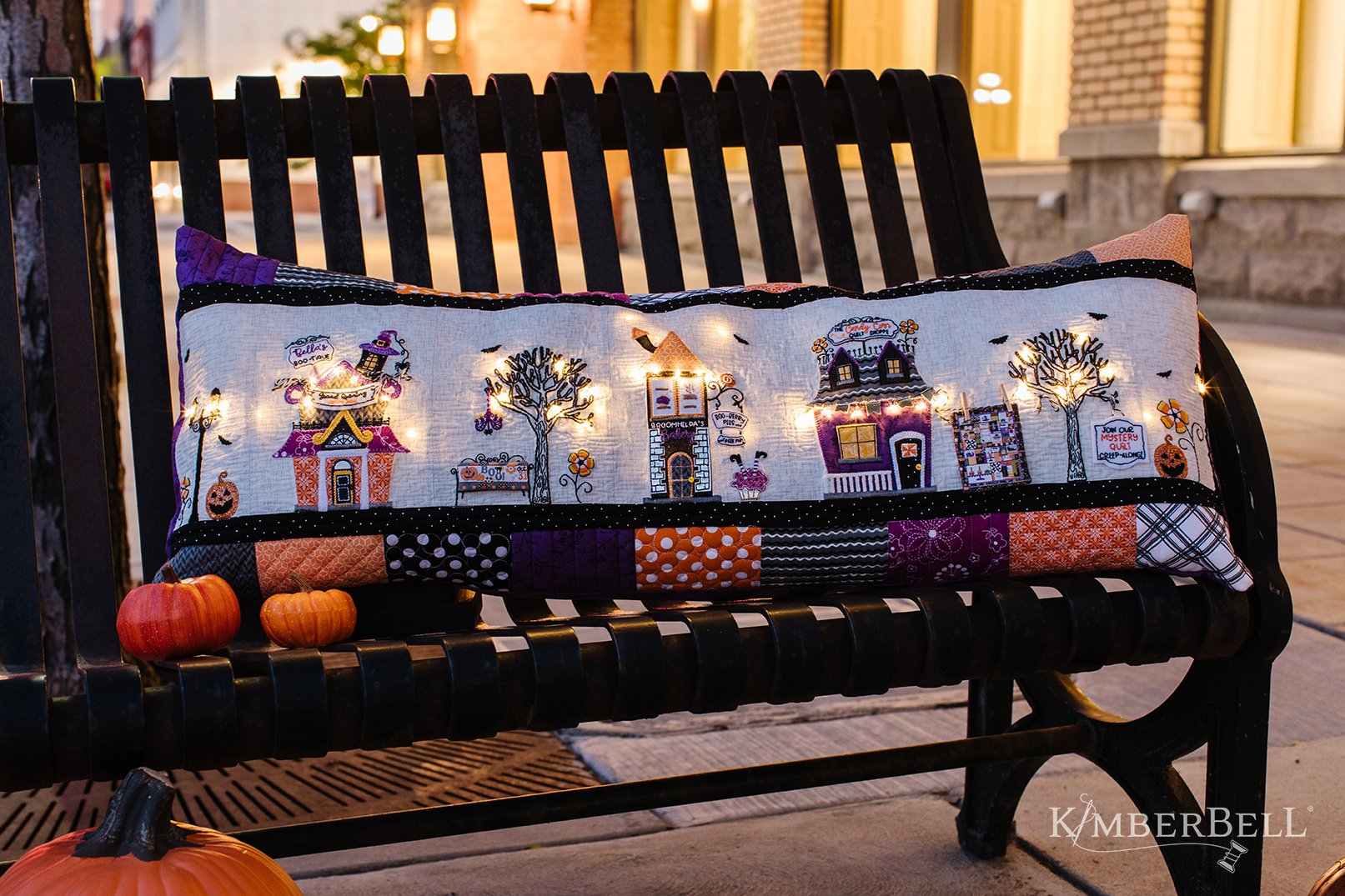 Twilight Boo-levard Bench Pillow Kit