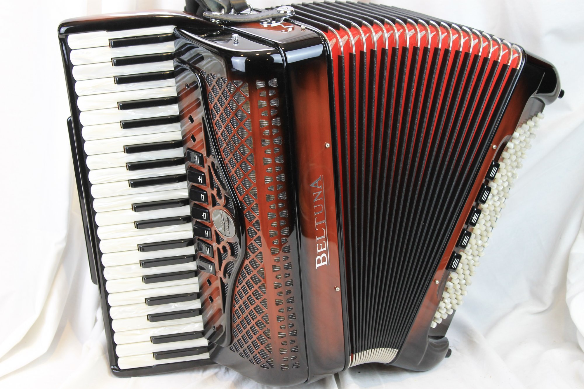 NEW Dark Chocolate Beltuna Studio III Piano Accordion LMM 41 120