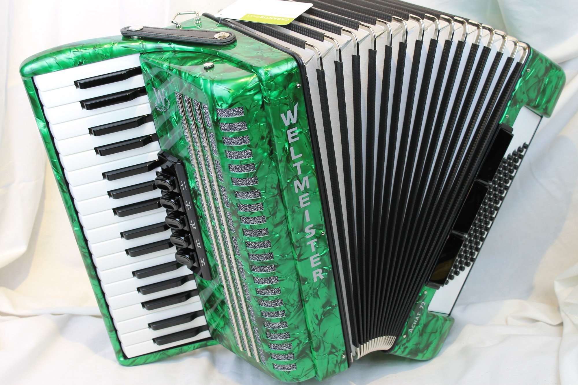 NEW Green Weltmeister Achat Piano Accordion LMM 34 72