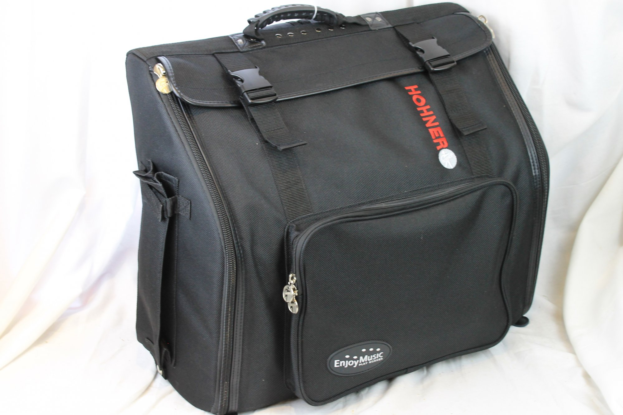NEW Black Hohner Gig Bag for Accordion 20.75 x 17.75 x 9 Large 96 and 120 Bass Piano Accordions