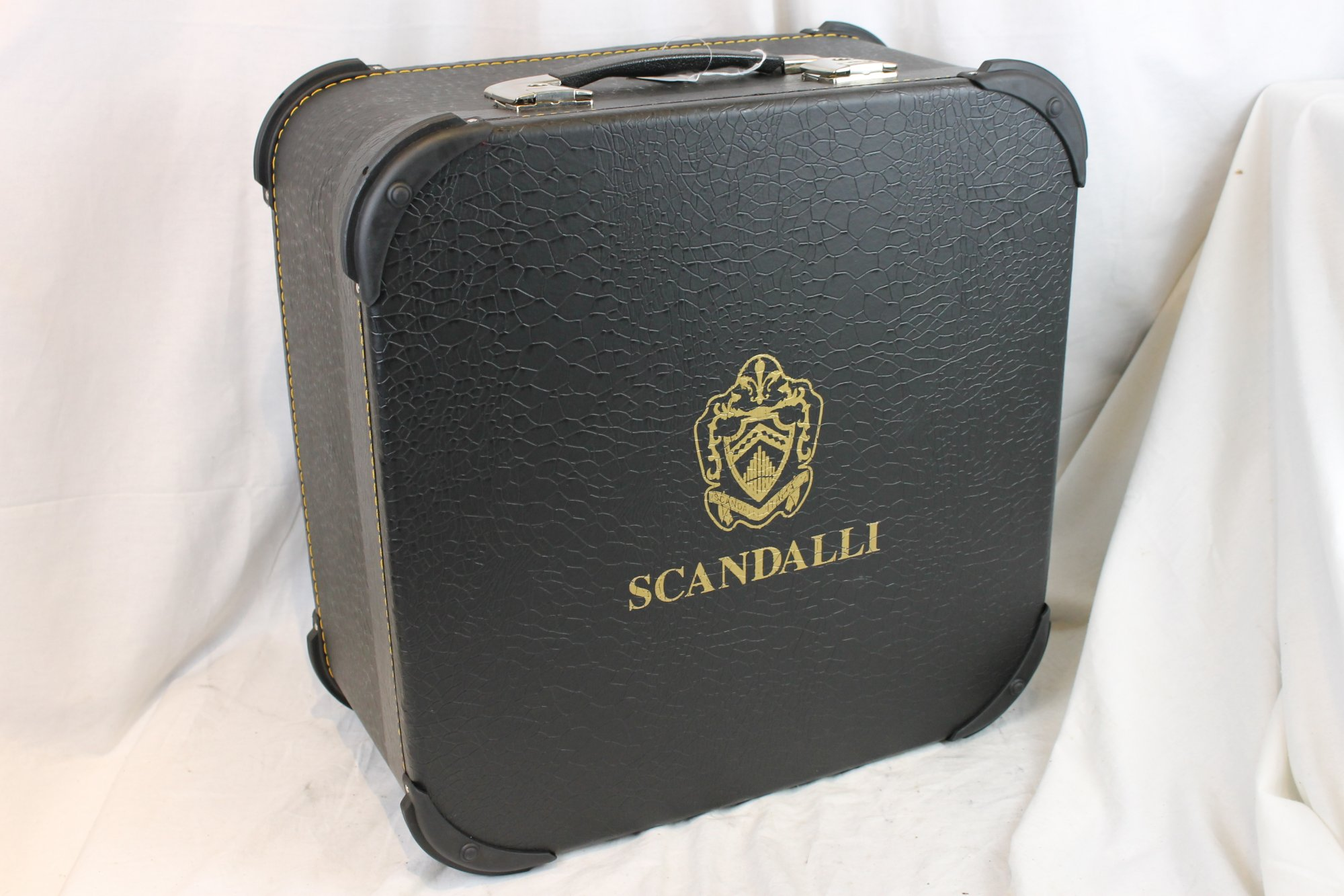 NEW Black Scandalli Hard Case for Accordion 18.5 x 18.25 x 9
