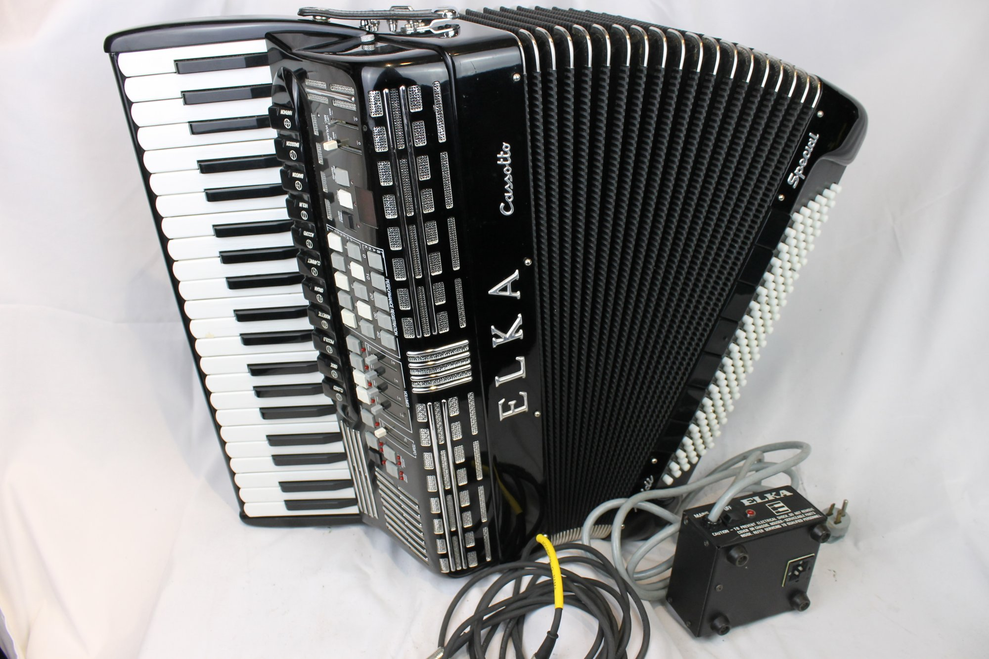4037 - Black Elka Cassotto Midi Special Piano Accordion LMMH 41 120
