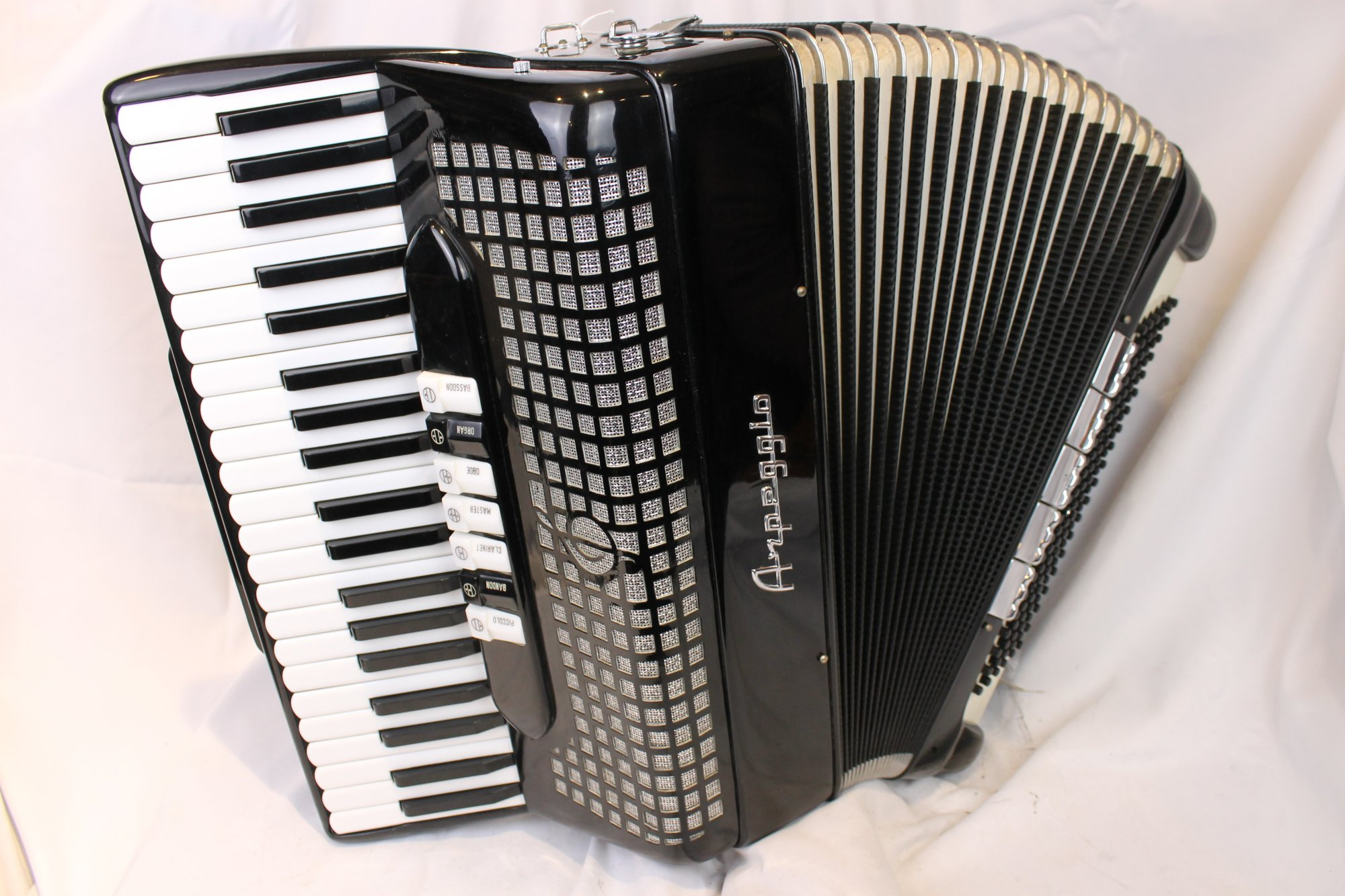 4038 - Black Arpeggio Triple Tone Chamber Piano Accordion LMH 41 120