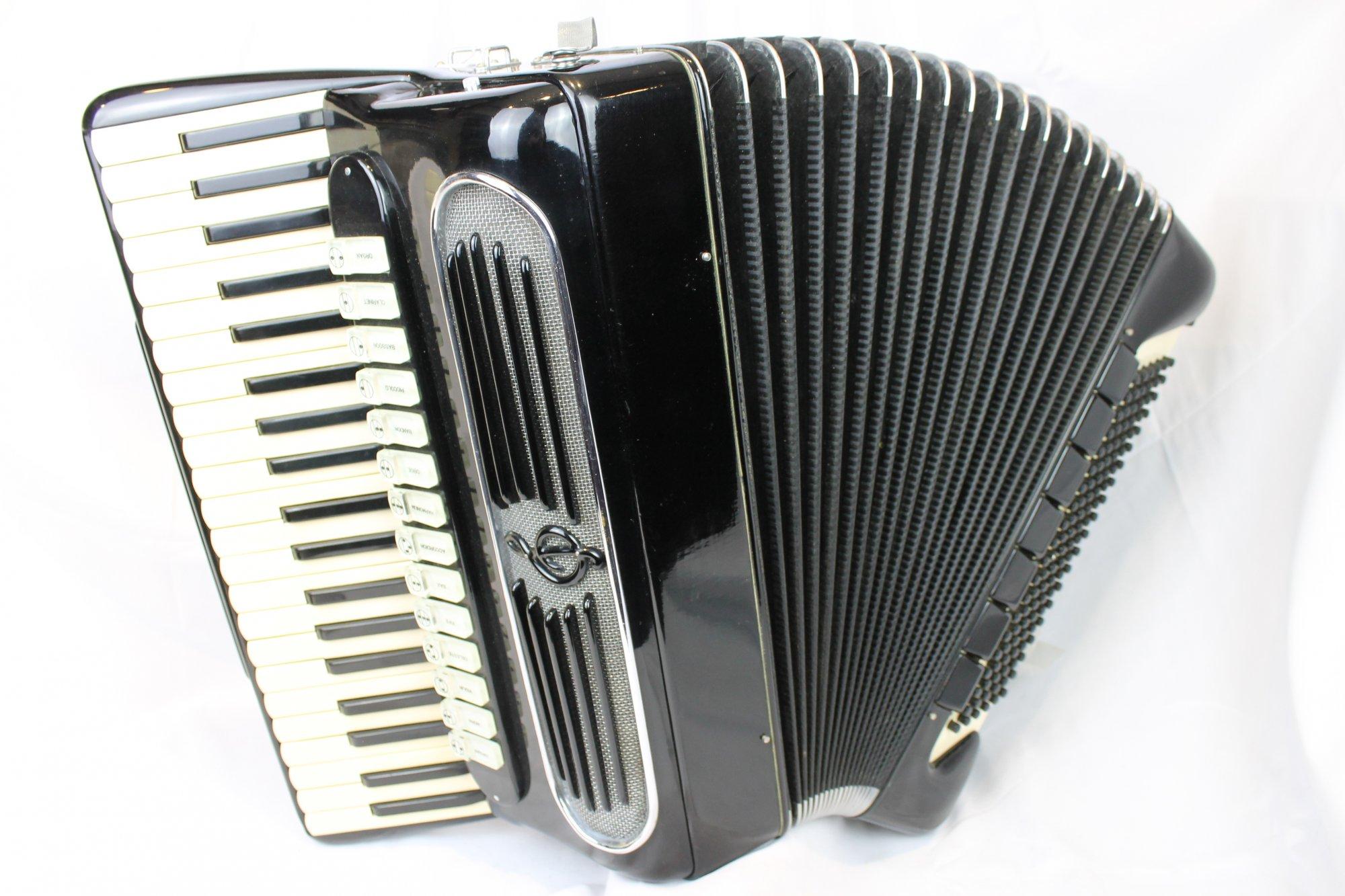 4052 - Black Giulietti 127 Piano Accordion LMMH 41 120