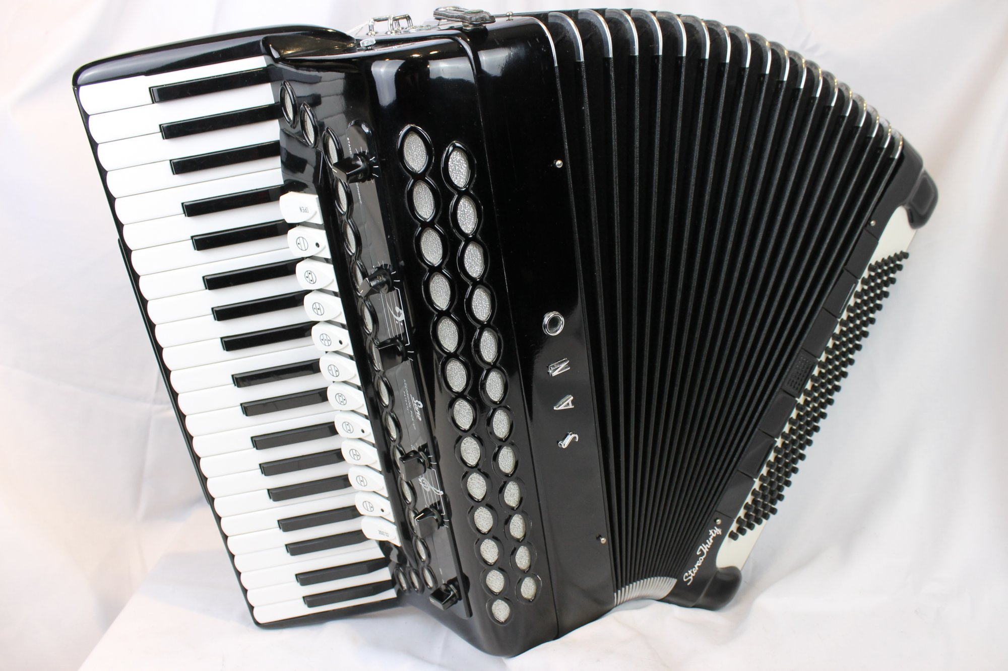 4056 - Black Sano Stereo Thirty Piano Accordion LMMH 41 120