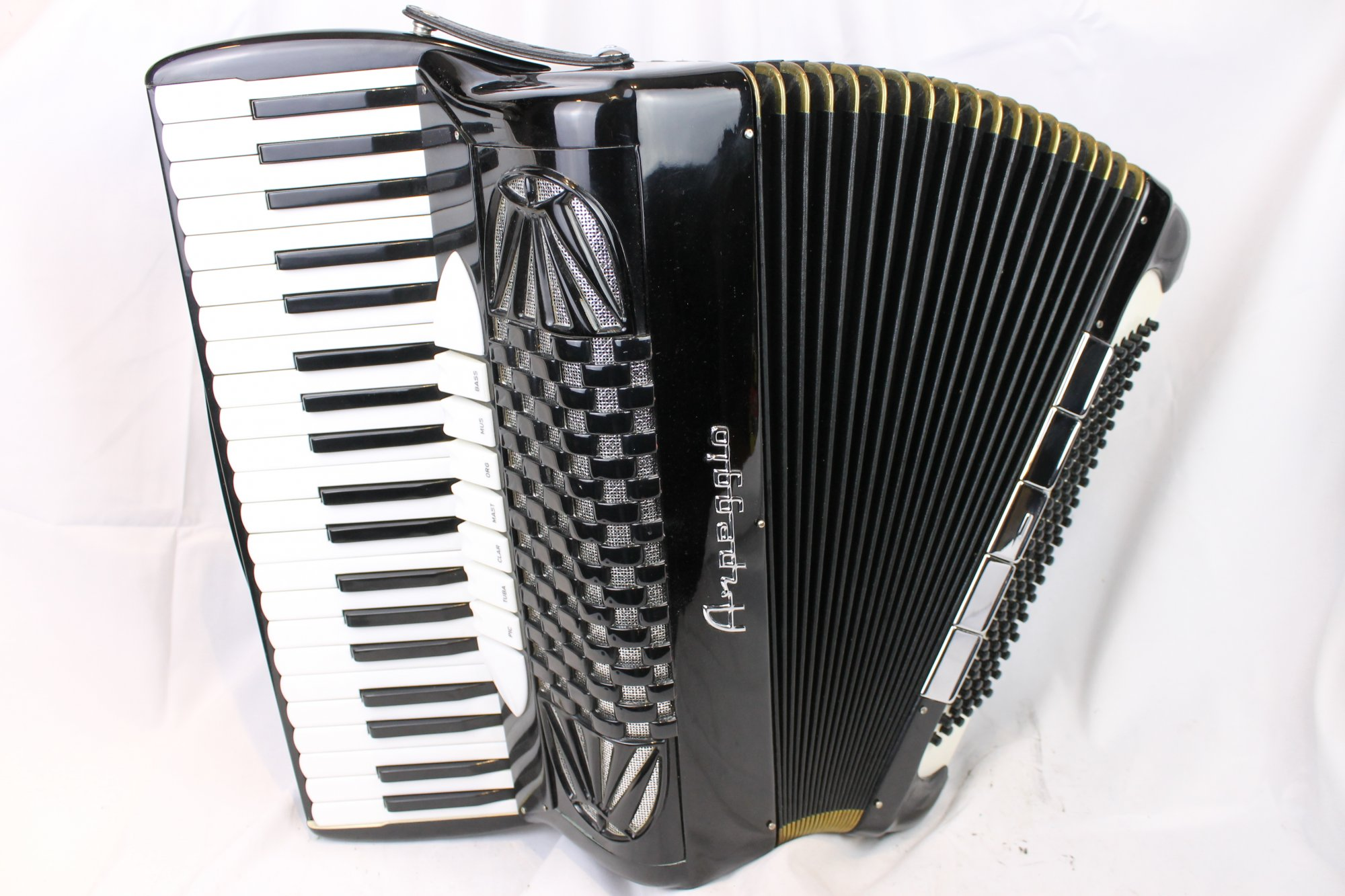 4095 - Black Arpeggio Piano Accordion LMH 41 120
