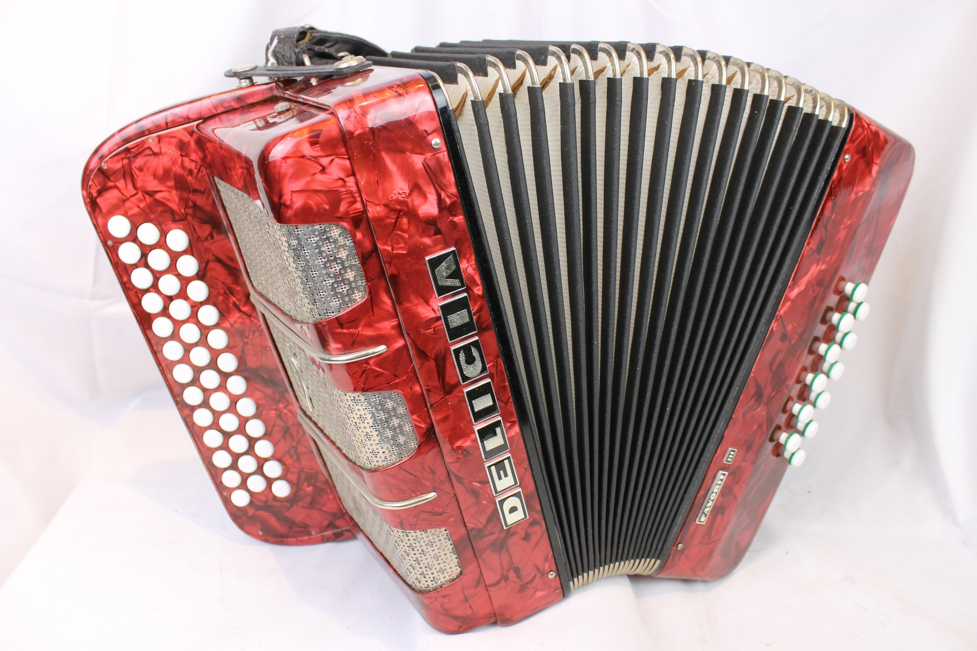 4121 - Red Delicia Favorit III Steirische Diatonic Button Accordion CFBb MMM 37 12