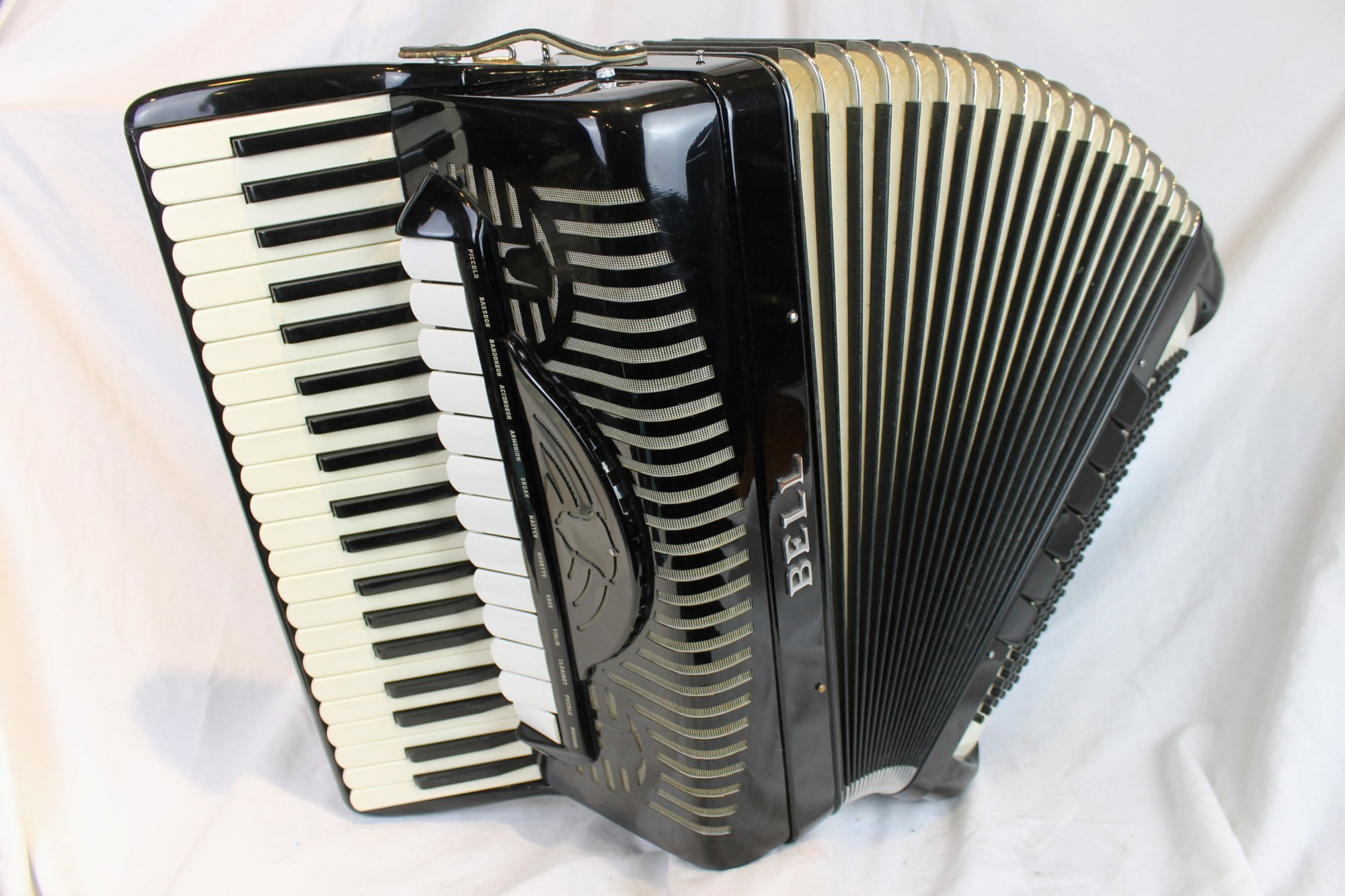 4190 - Black Bell 2520C Piano Accordion LMMH 41 120