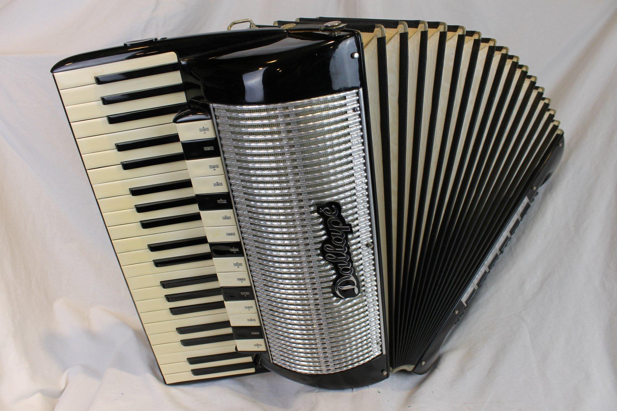 4192 - Black Dallape Super Maestro Piano Accordion LMMH 41 120