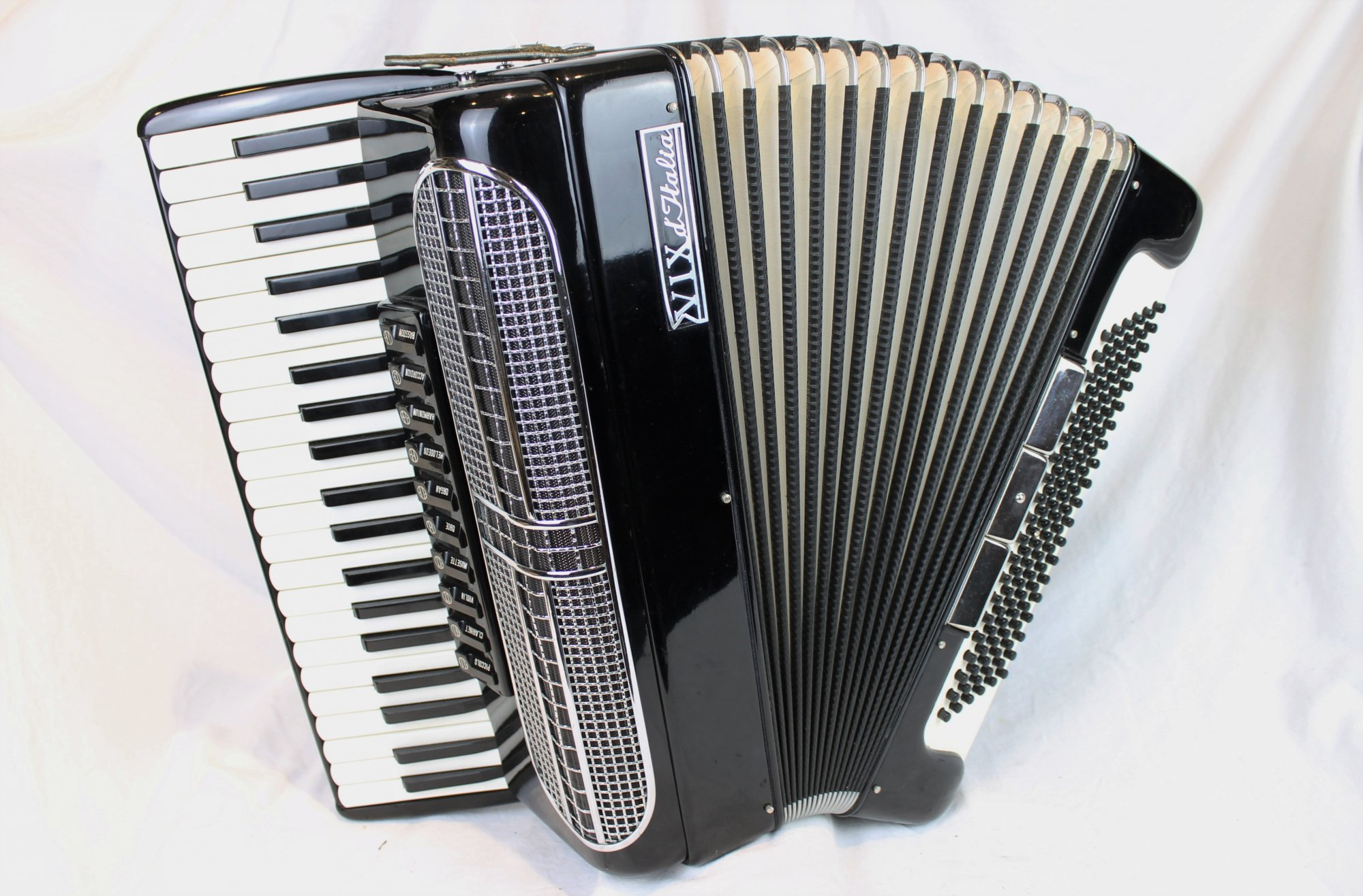 4218 - Black VIX d'Italia Piano Accordion LMMH 41 120
