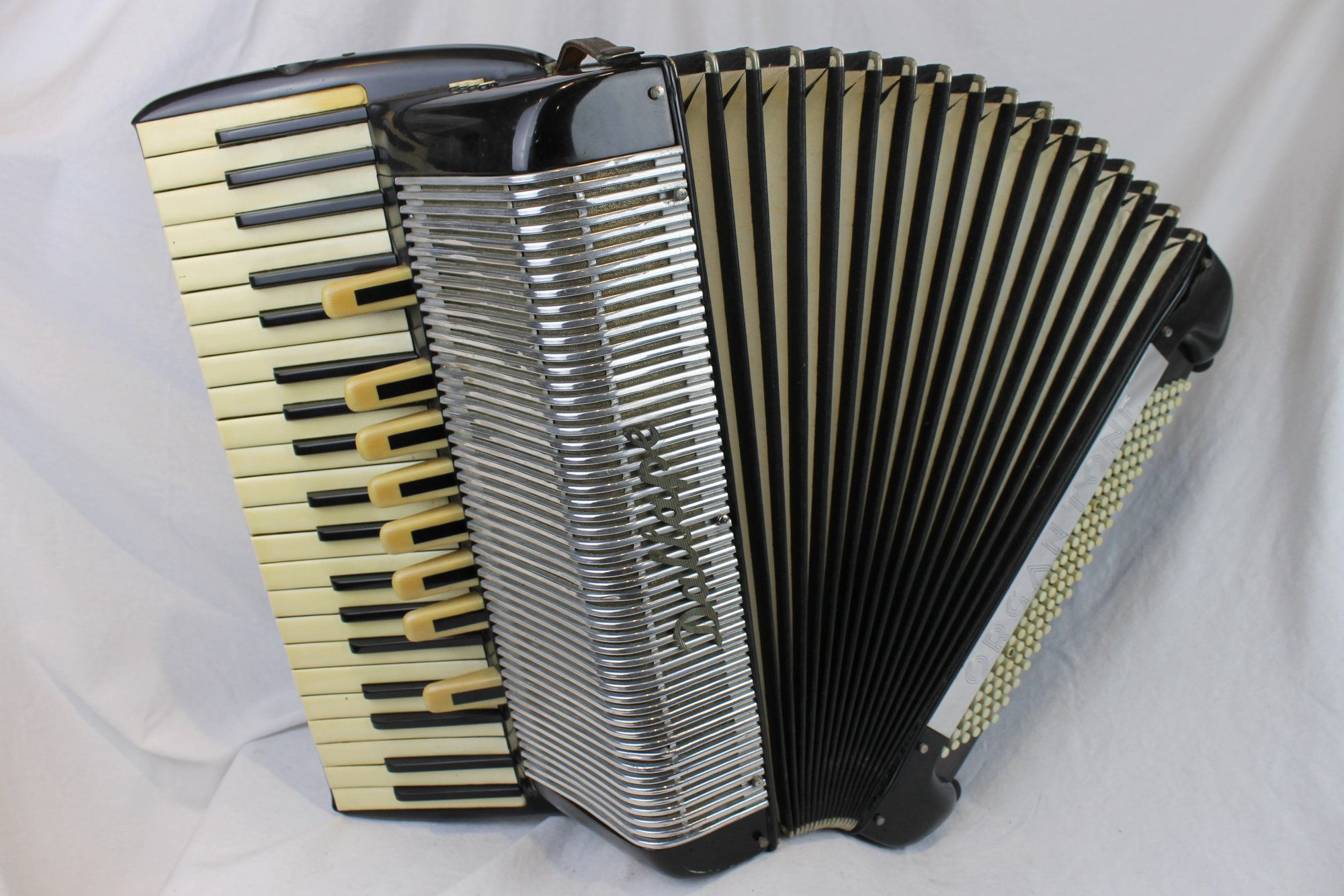 4219 - Fixer Upper Black Dallape Organtone Tone Chamber Piano Accordion LMMH 41 120 FOR PARTS OR REPAIR