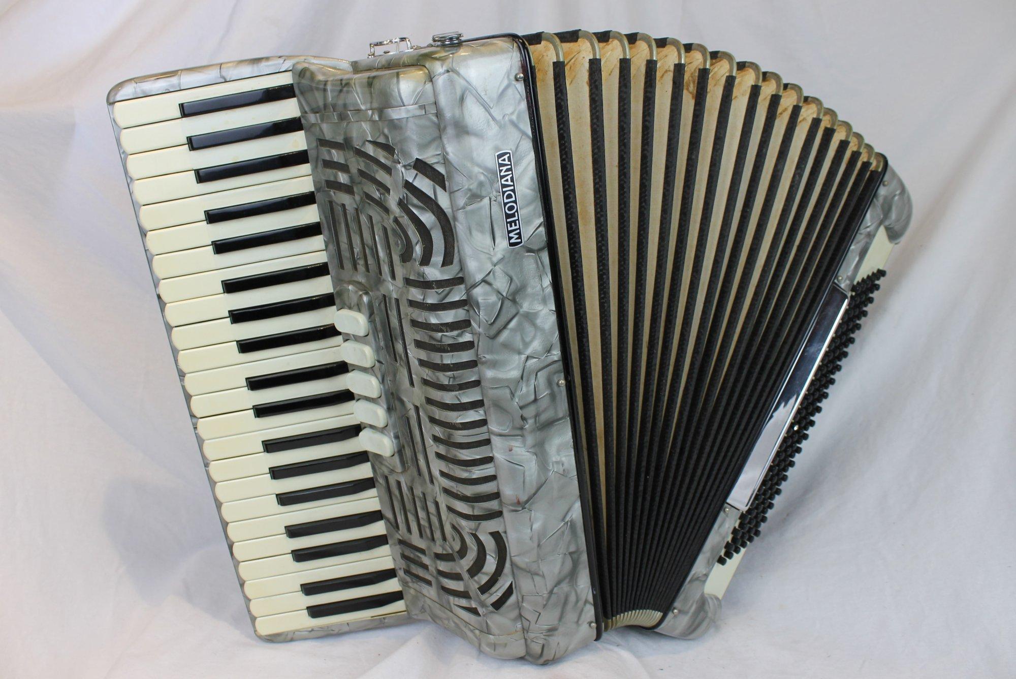 4224 - Silver Melodiana Piano Accordion LMM 41 120