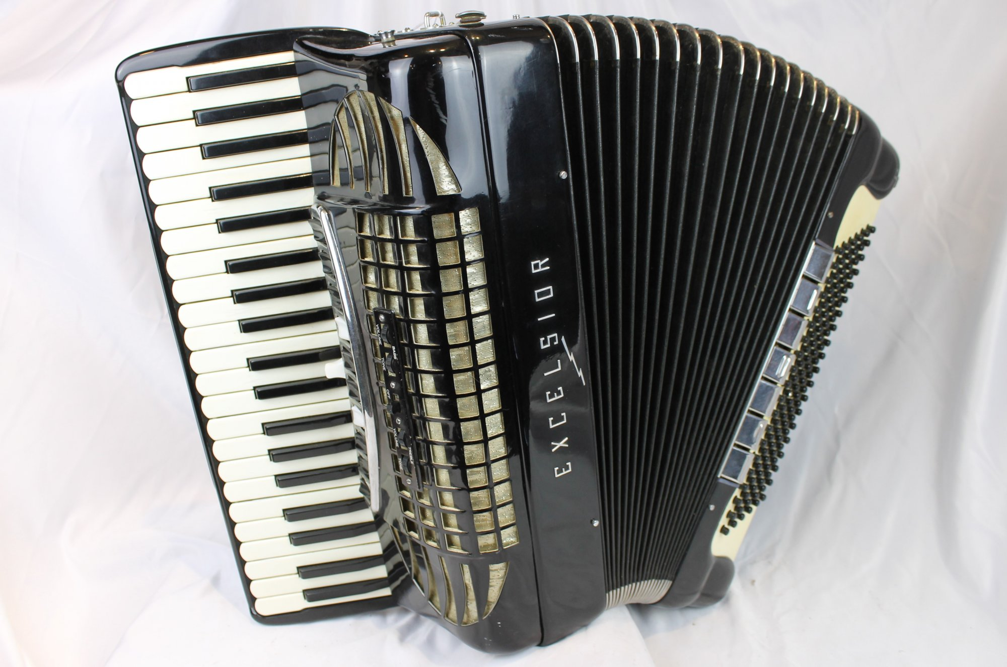 4242 - Black Excelsior Piano Accordion LMMH 41 120