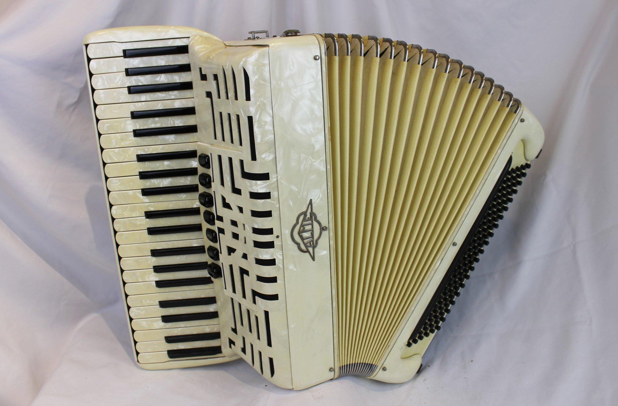 4279 - Ivory Acme Piano Accordion LMH 41 120