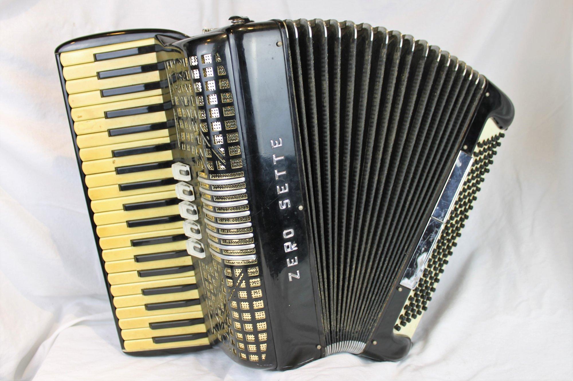 4340 - Black Zero Sette Piano Accordion LMM 41 120
