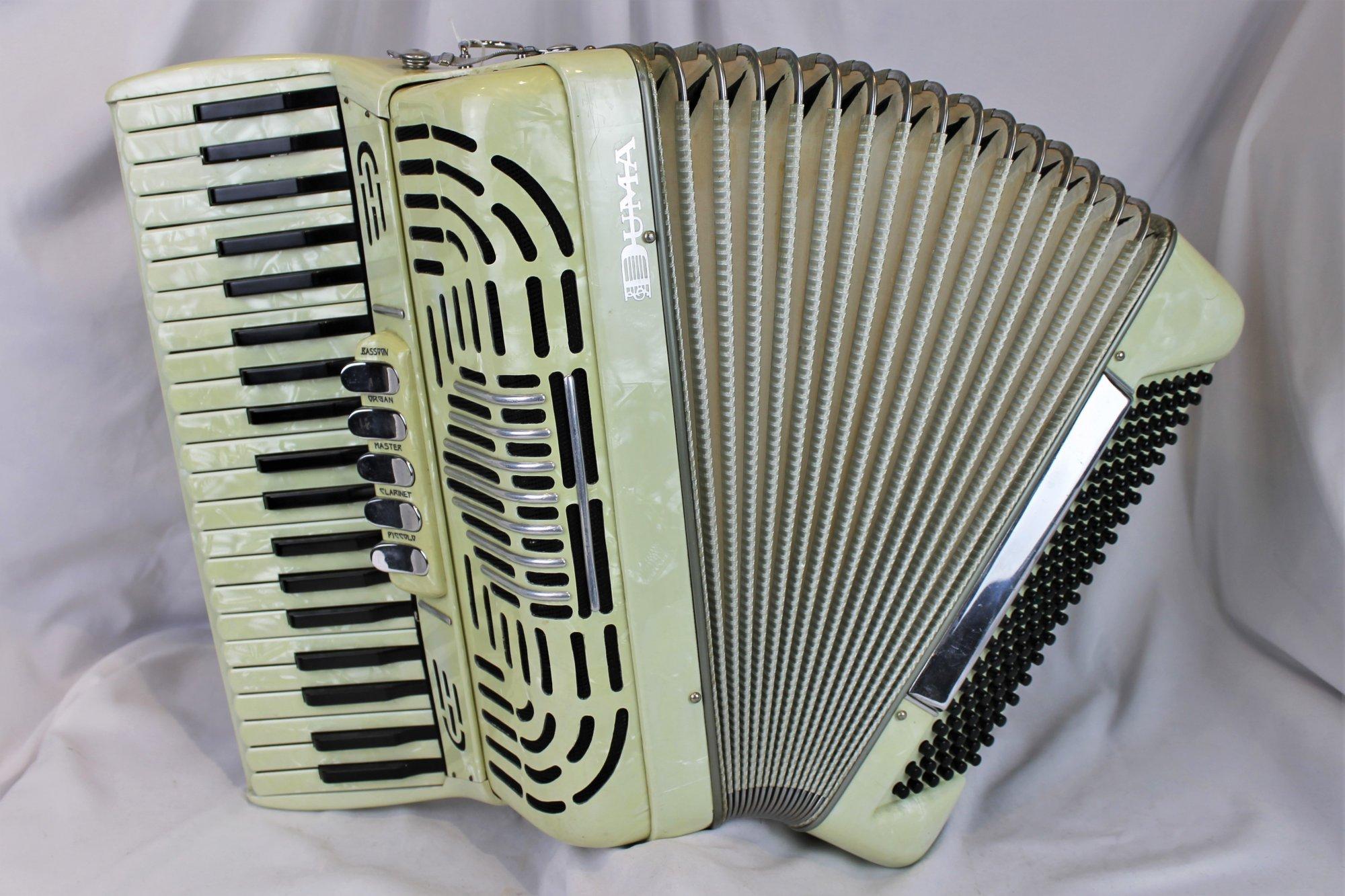 4363 - Cream Pancordion Duma Piano Accordion LMH 41 120