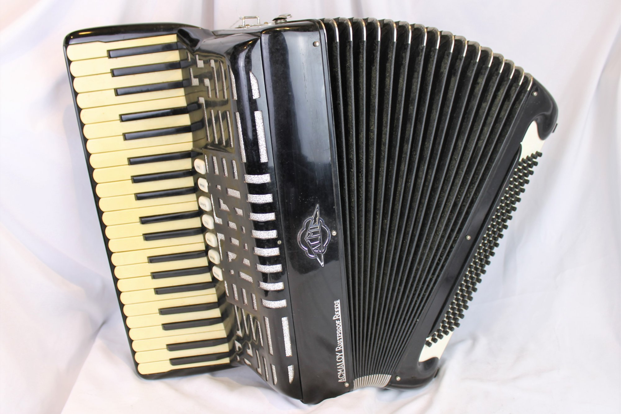 4370 - Black Acme Acmaloy Rustproof Reeds Piano Accordion LMMH 41 120