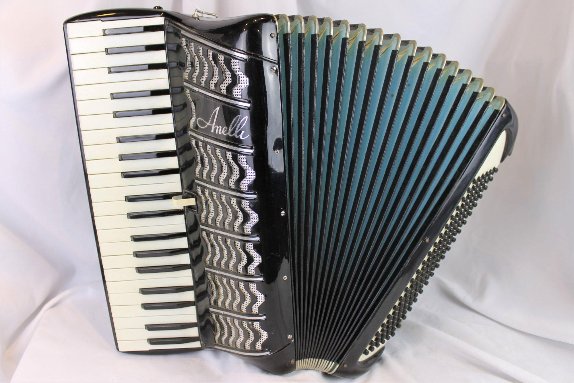 4396 - Black Amelli Piano Accordion LMM 41 120