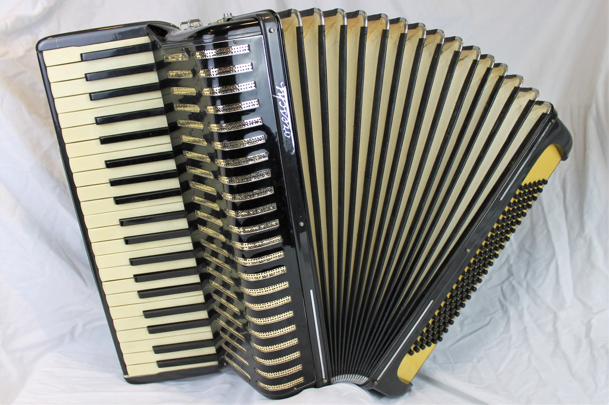 4401 - Black Moreschi Piano Accordion LMM 41 120