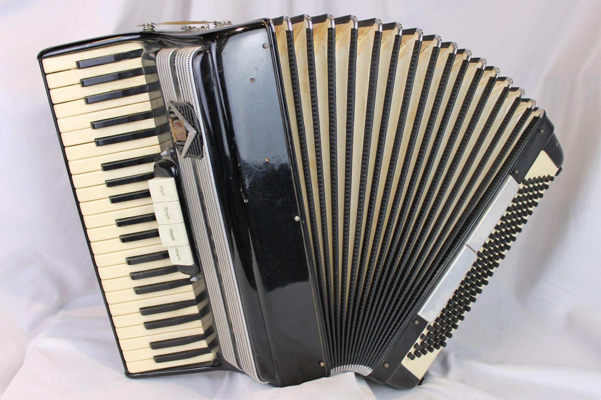 4407 - Black Frontalini Piano Accordion LMH 41 120
