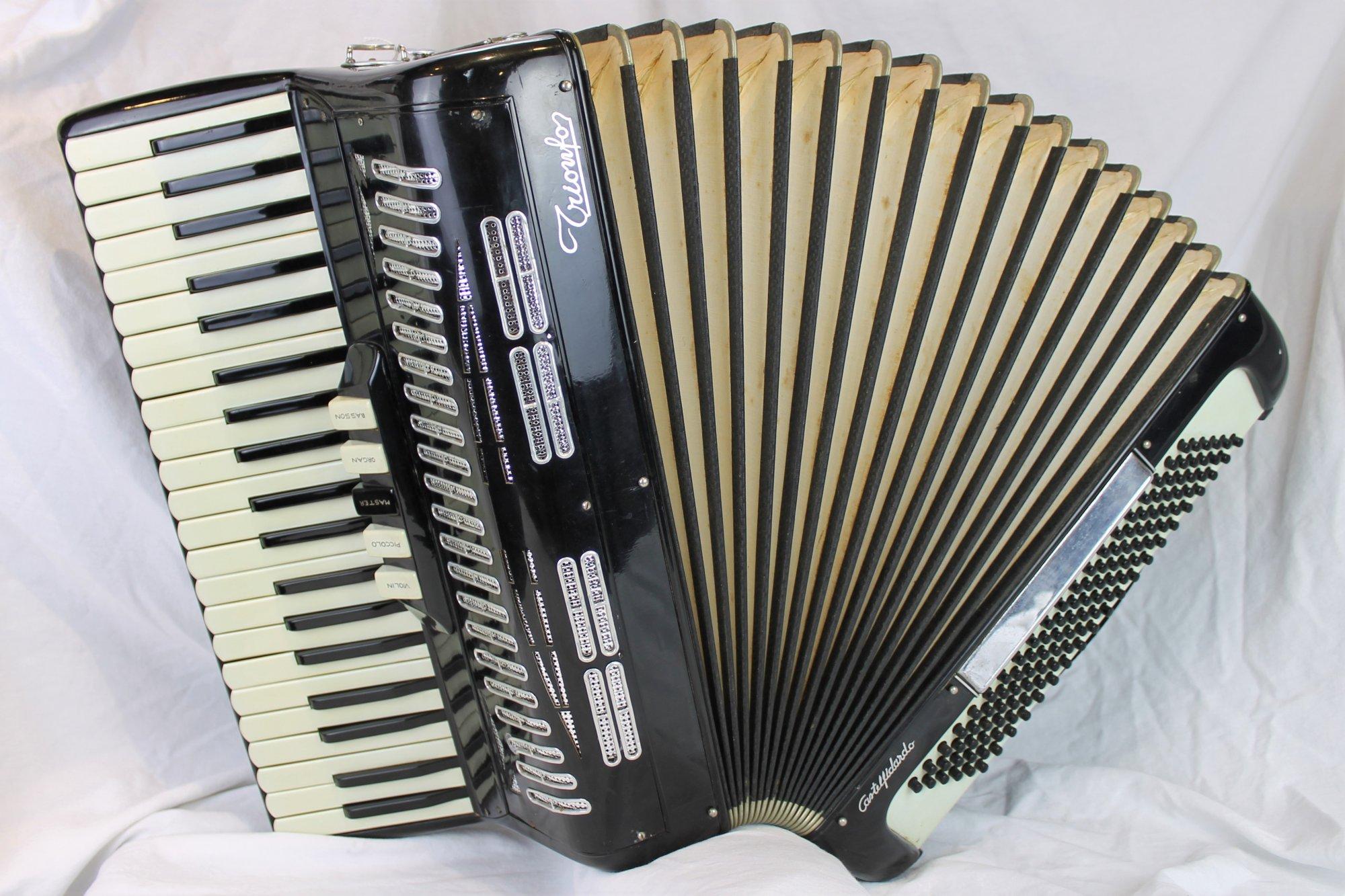 4416 - Black Trionfo Piano Accordion LMH 41 120