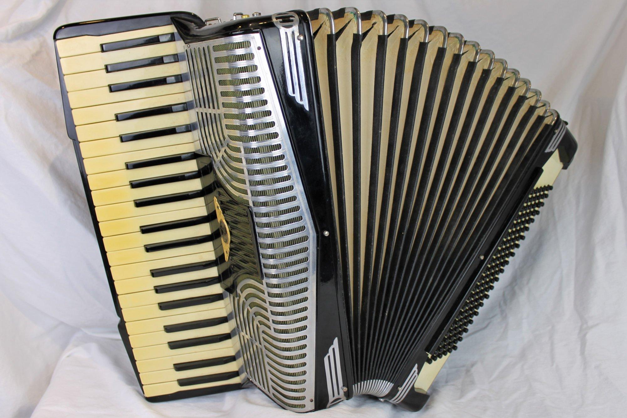 4421 - Black Iorio Candide Piano Accordion LMM 41 120