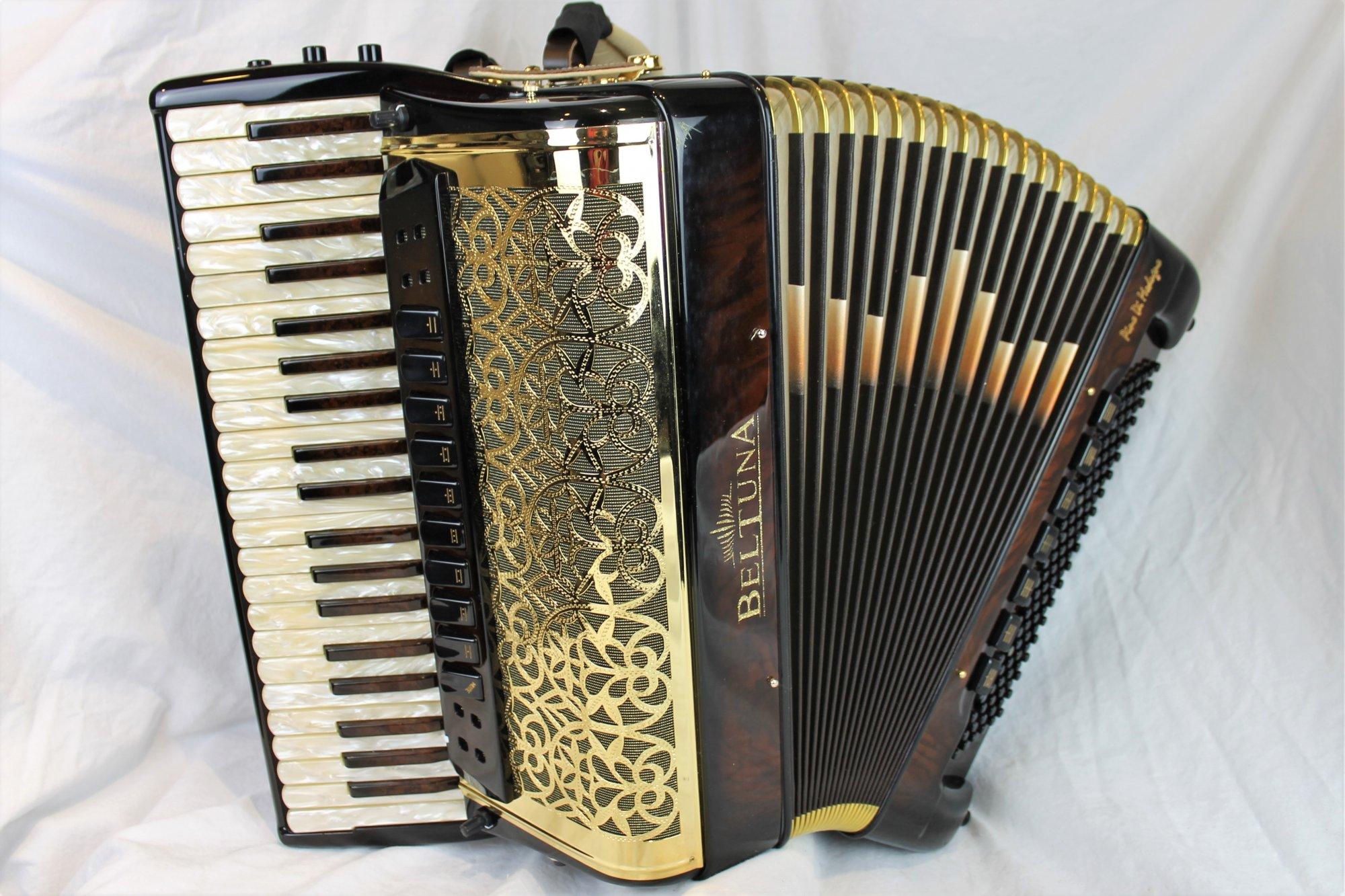 Like New Walnut Root Beltuna Prestige IV Pino di Madugno Piano Accordion LMMM 42 120 $8499