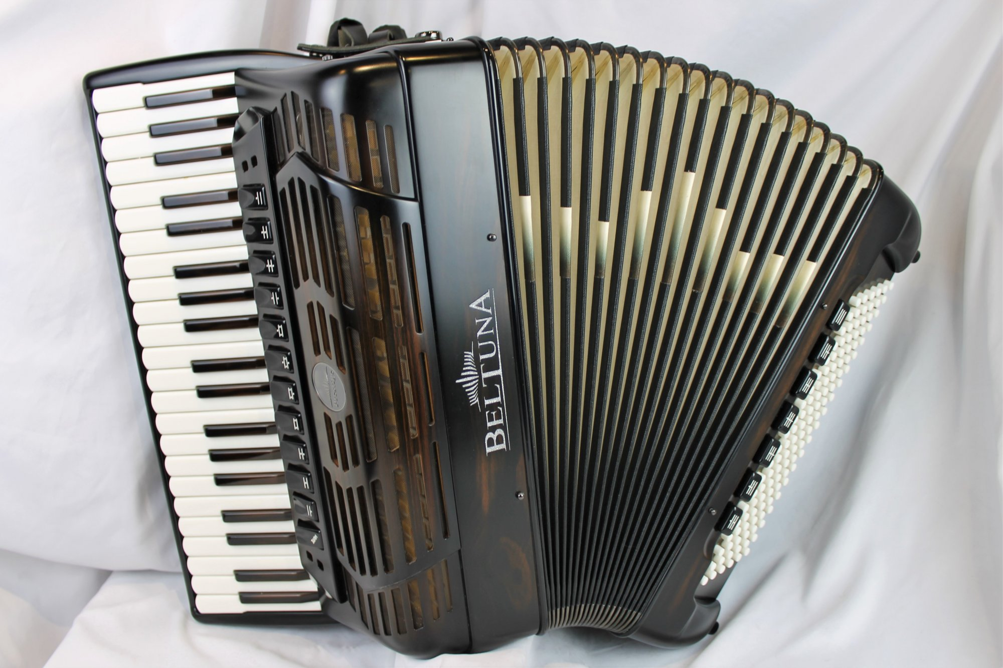 NEW Ebony Beltuna Prestige IV Slender Piano Accordion LMMH 41 120