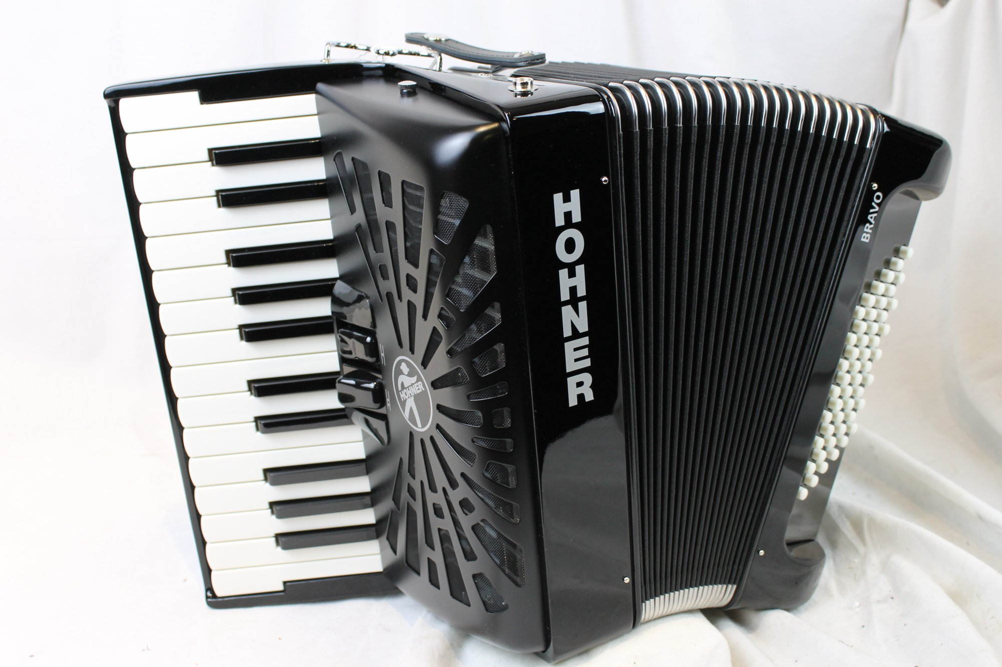 New Black Hohner Bravo II Piano Accordion MM 26 48