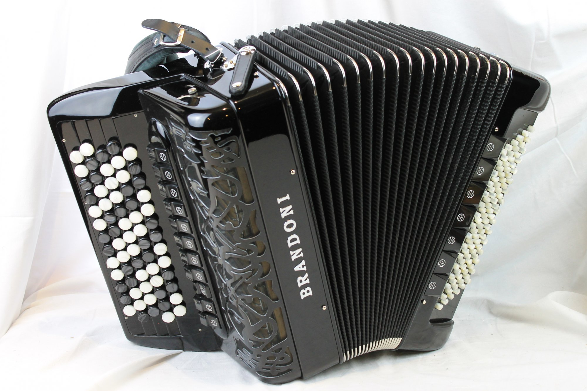 NEW Black Brandoni Liberty Chromatic Button Accordion 184 LMMM 67 96