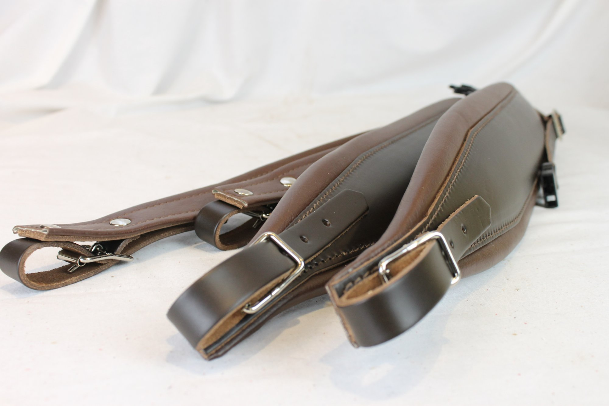 New Brown Leather Fuselli Accordion Shoulder Straps With Back Straps Width (10cm / 3.9 inch) Length (105cm-123cm / 41.3-48.4 inch)