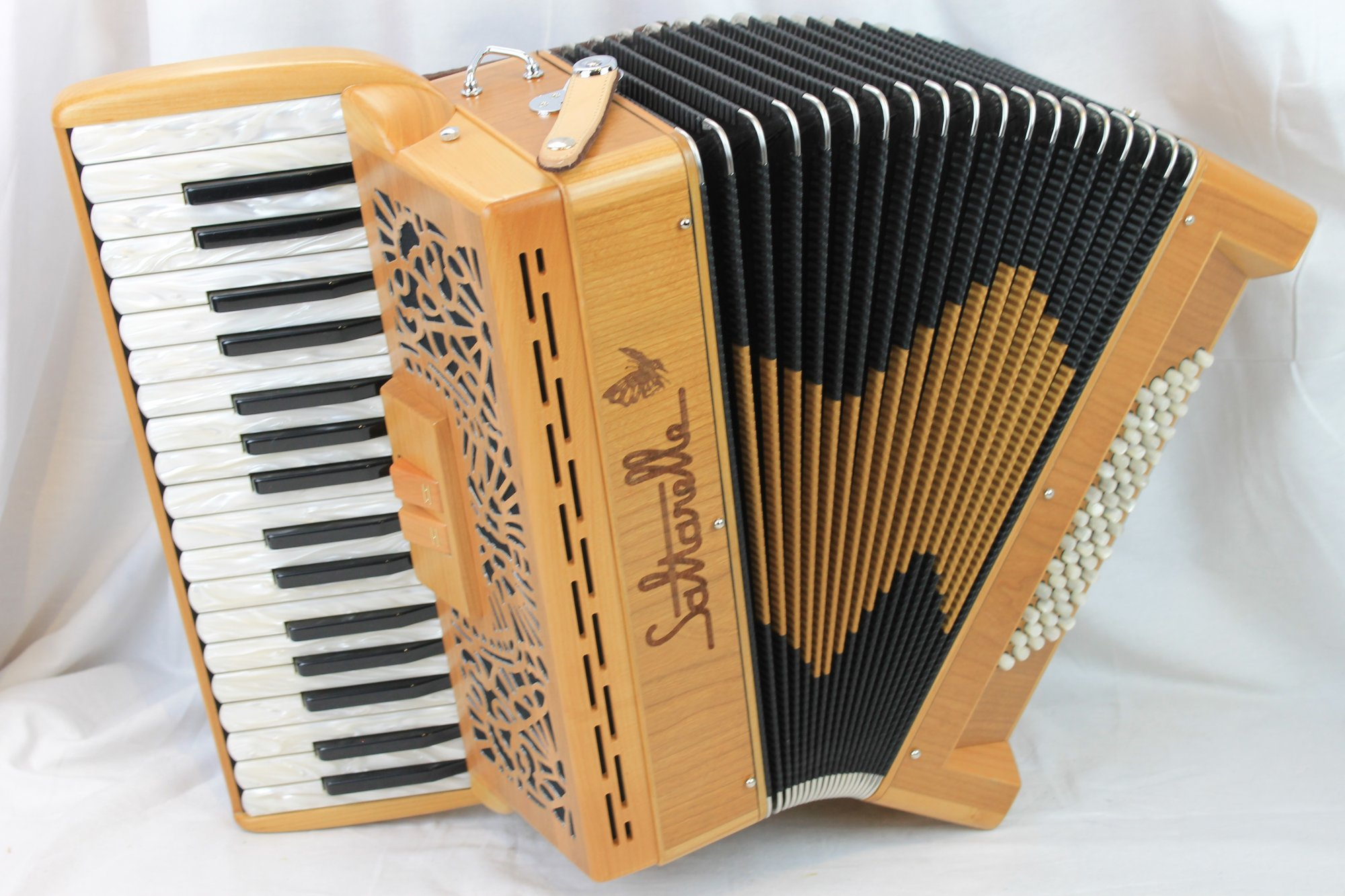 NEW Cherry Saltarelle Clifden Piano Accordion MM 35 60