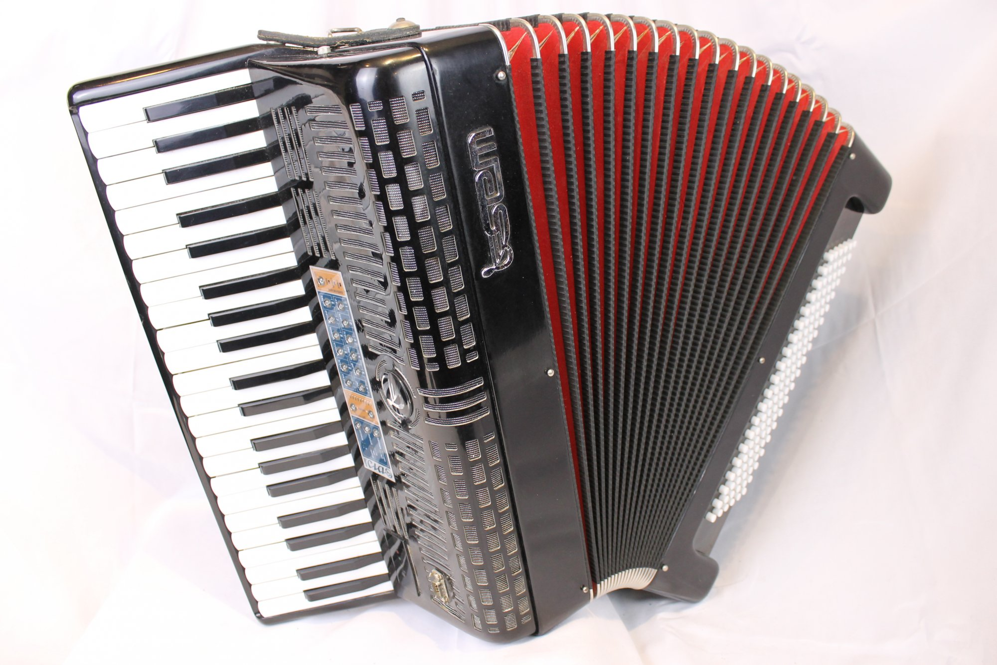3643 - Black SEM Ciao Wireless Midi Piano Accordion Reedless Digital