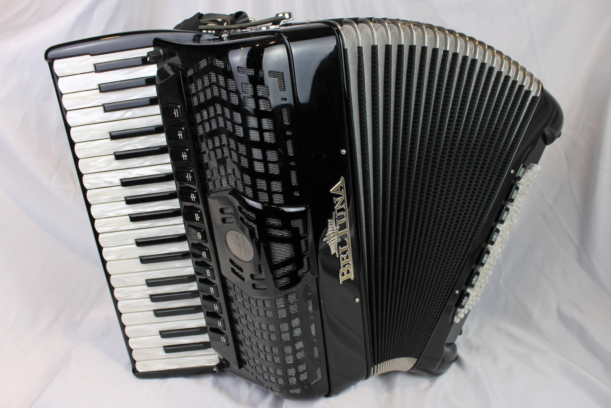 3910 - Certified Pre-Owned Black Beltuna Prestige V Piano Accordion LMMMH 37 96