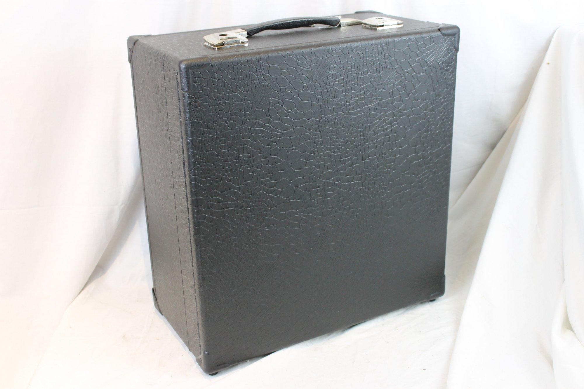 NEW Black Italian Accordion Hard Case 16.75 x 17.5 x 8.5 (42.5cm x 44.5cm x 21.5cm) Fits Roland FR-1X