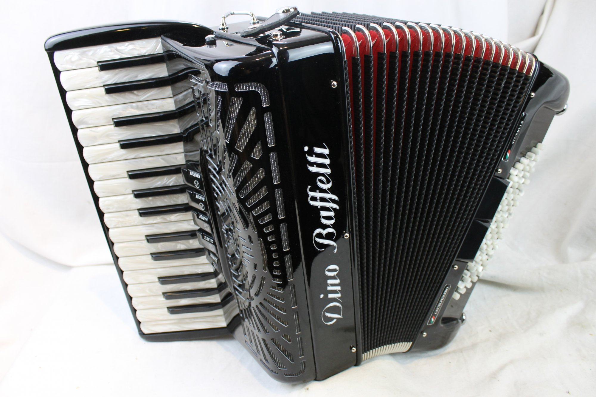 NEW Black Dino Baffetti Studio IB Piano Accordion LMM 30 72