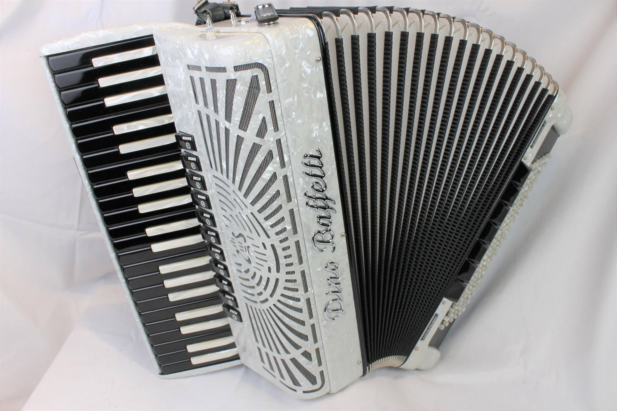 NEW White Inverted Key Dino Baffetti Professional IV Piano Accordion LMMH 41 120