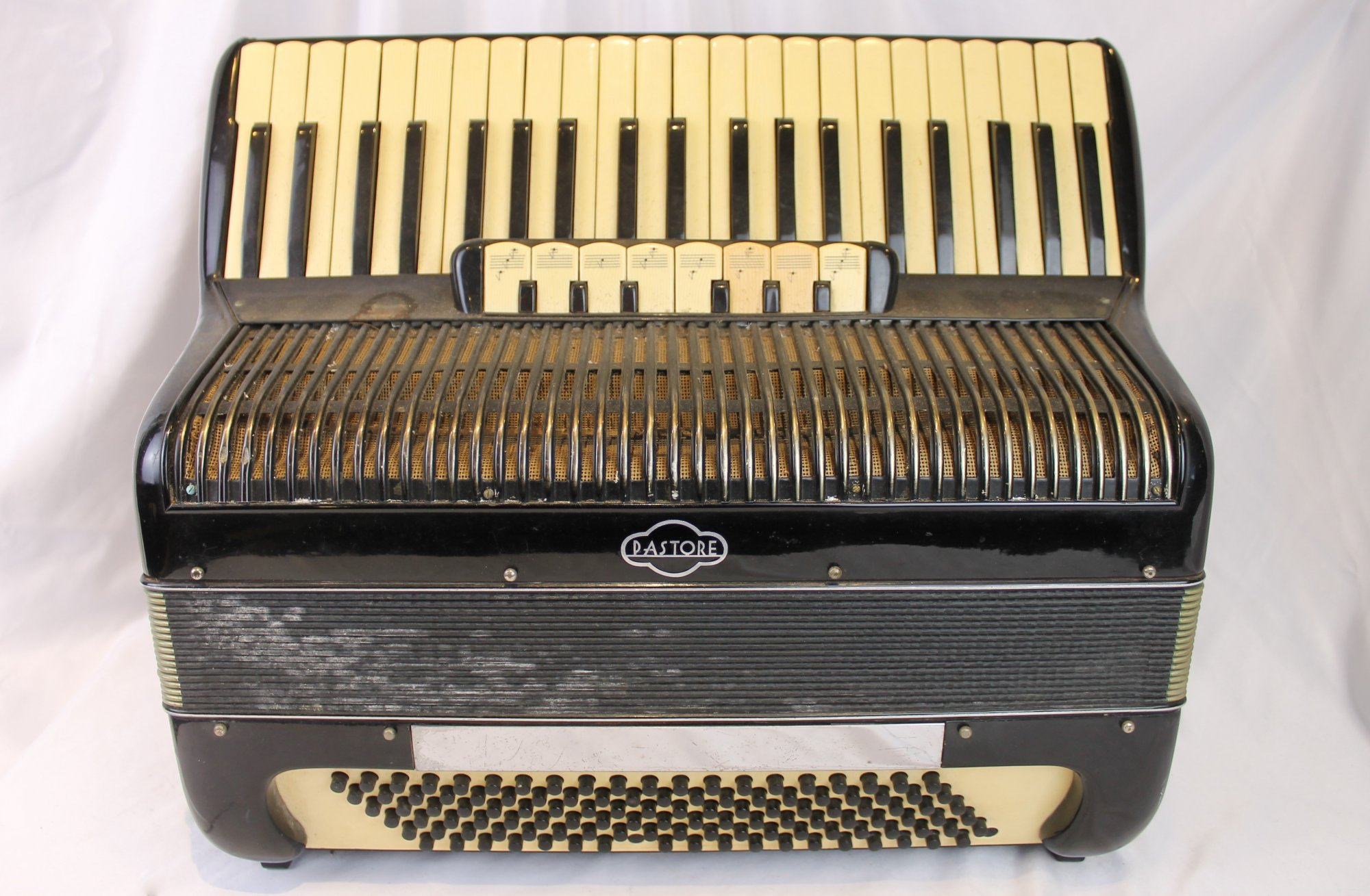4565 - Black Pastore Piano Accordion LMH 41 120 - For Parts or Repair