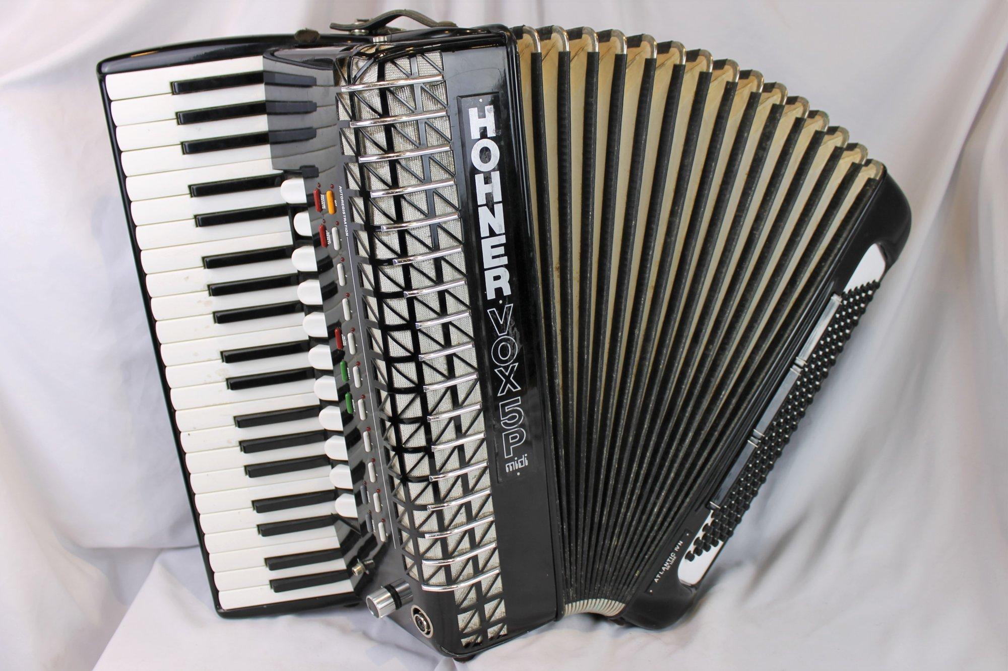 4620 - Black Hohner Atlantic IVN Vox 5P Piano Accordion LMMH 41 120