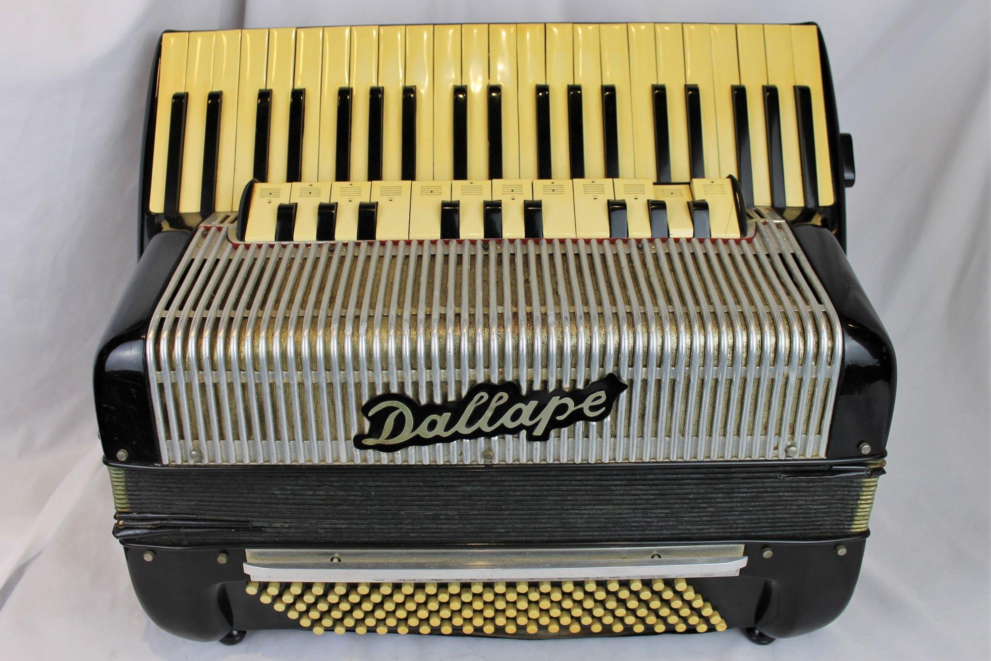 4632 - Black Dallape Organtone Piano Accordion LMH 41 120 - For Parts or Repair