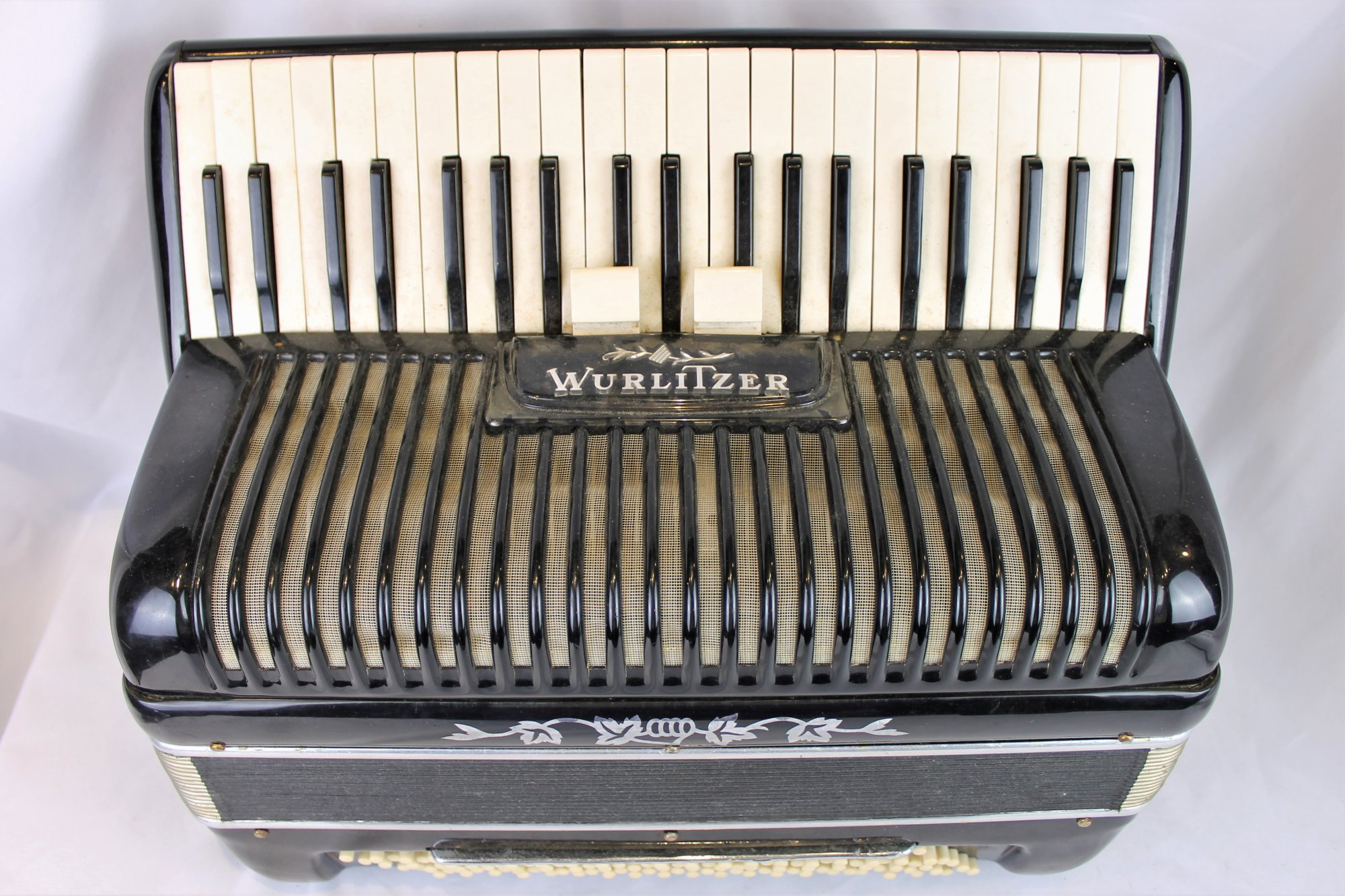 4863 - Black Wurlitzer Piano Accordion 41 120 - For Parts or Repair