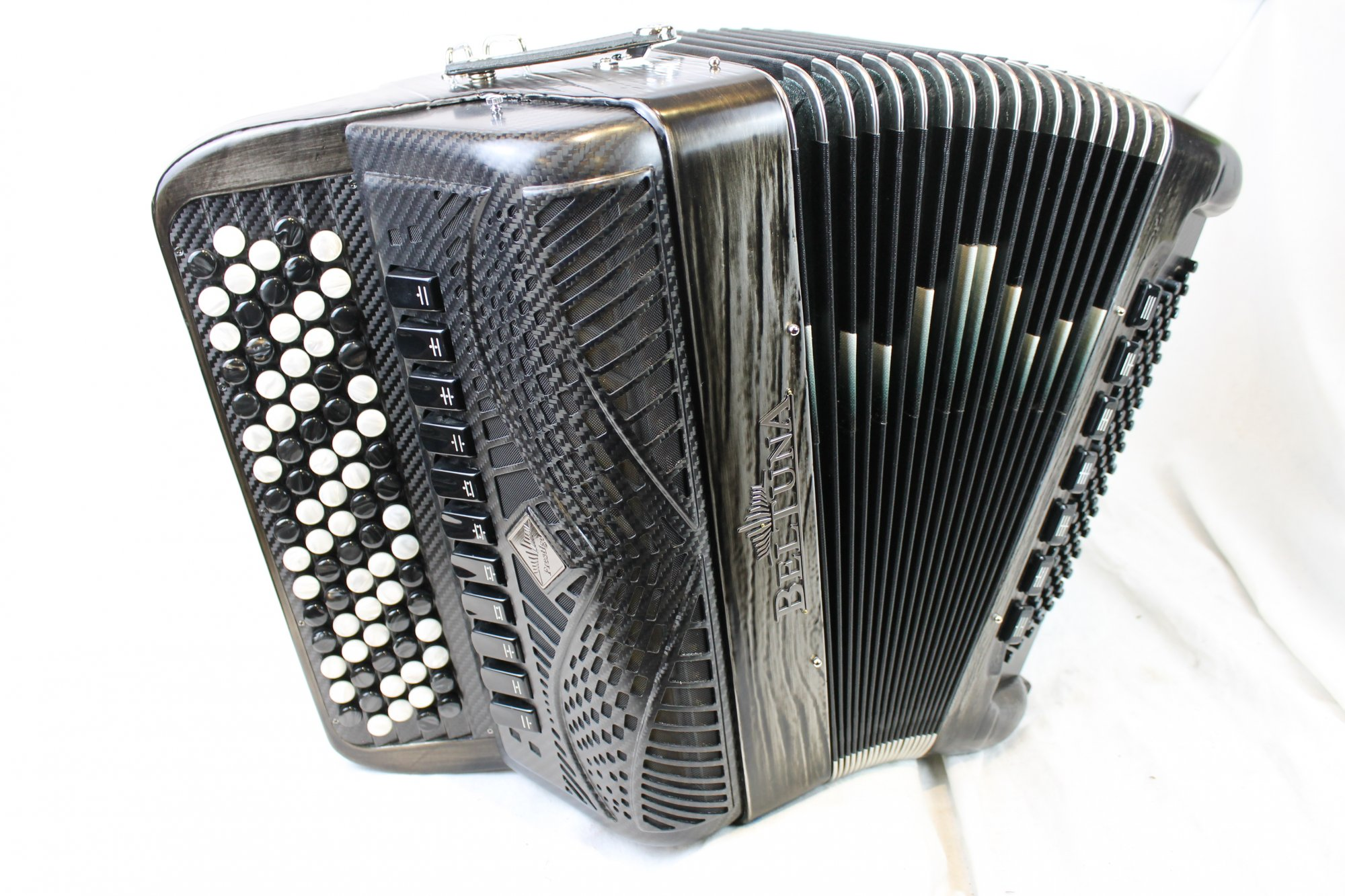 NEW Platinum Beltuna Prestige 3050P Fly Chromatic Button Accordion C LMMH 82 96