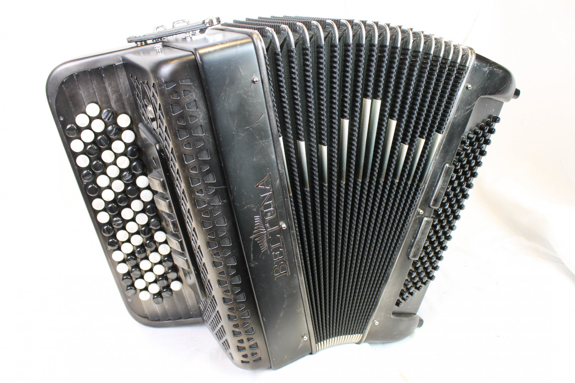 NEW Silver Marble Beltuna Studio III Chromatic Button Accordion C LMM 69 96