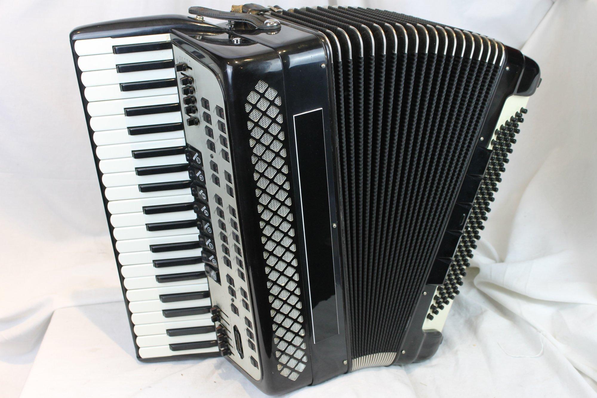 3762 - Black Crumar Magicvox Piano Accordion LMM 41 120